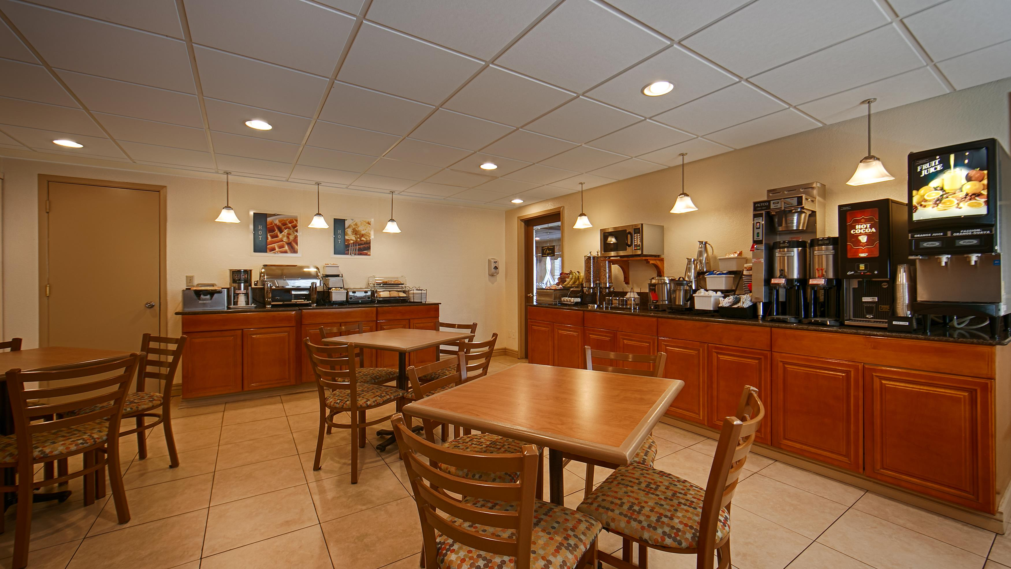 Best Western Inn & Suites image 25