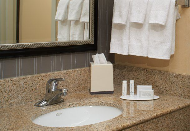 Courtyard by Marriott Detroit Dearborn image 16