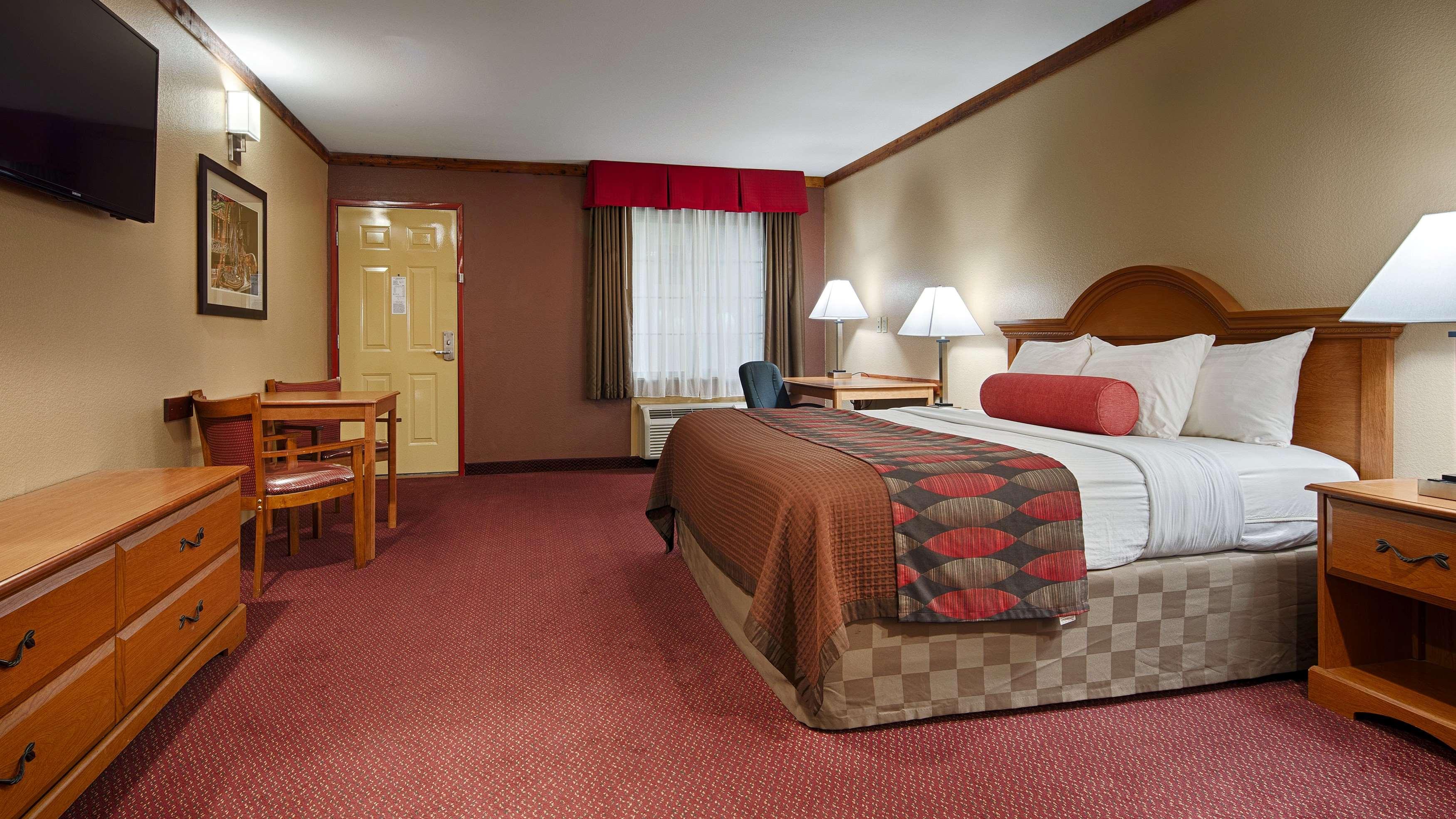 Best Western Windwood Inn & Suites image 12