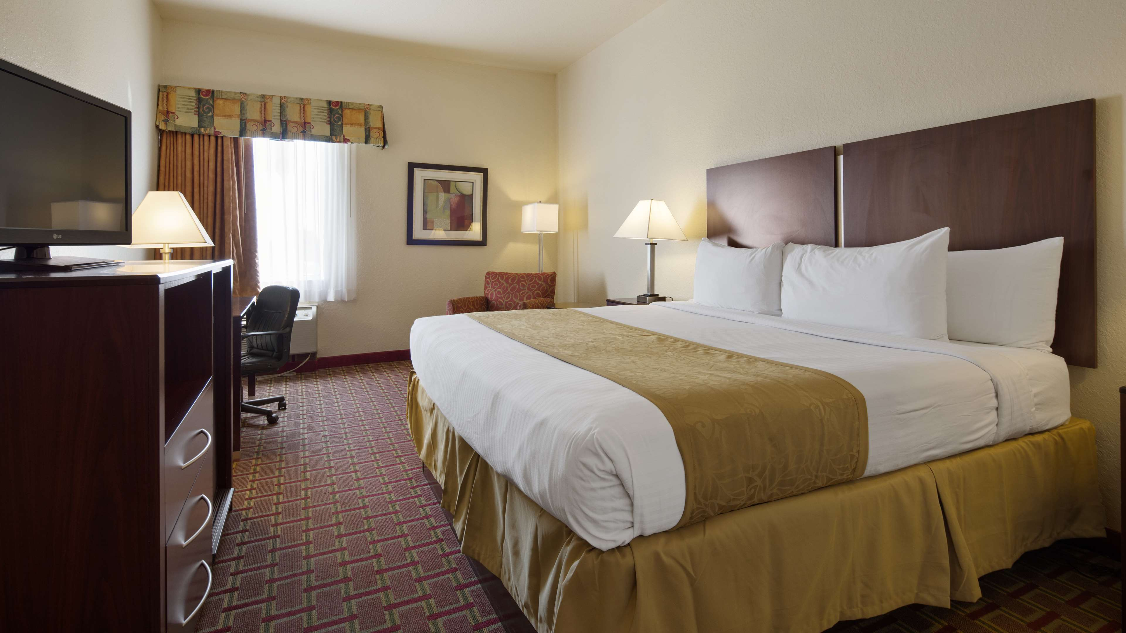 Best Western Tampa image 12