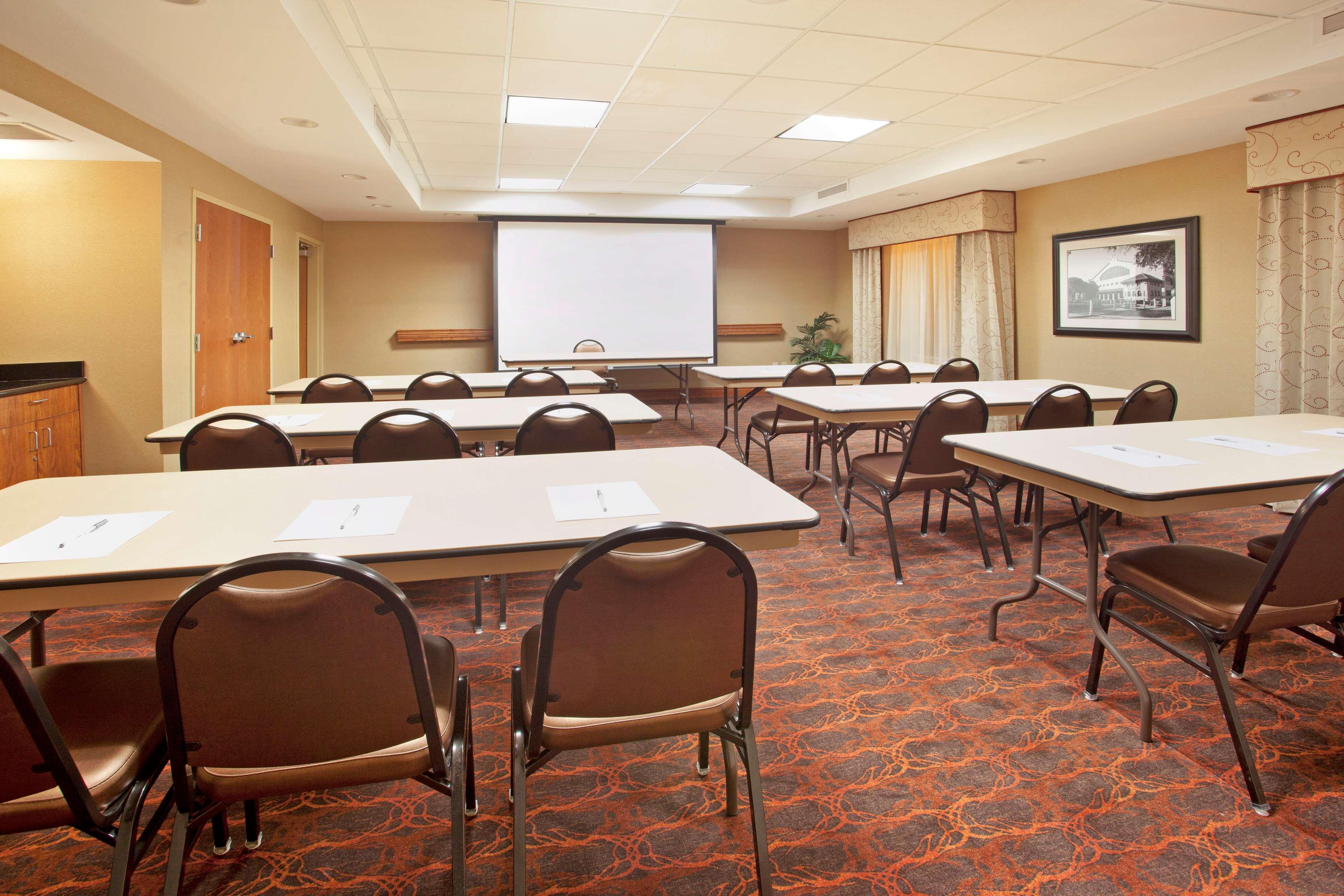 Hampton Inn & Suites Fort Worth-West-I-30 image 16