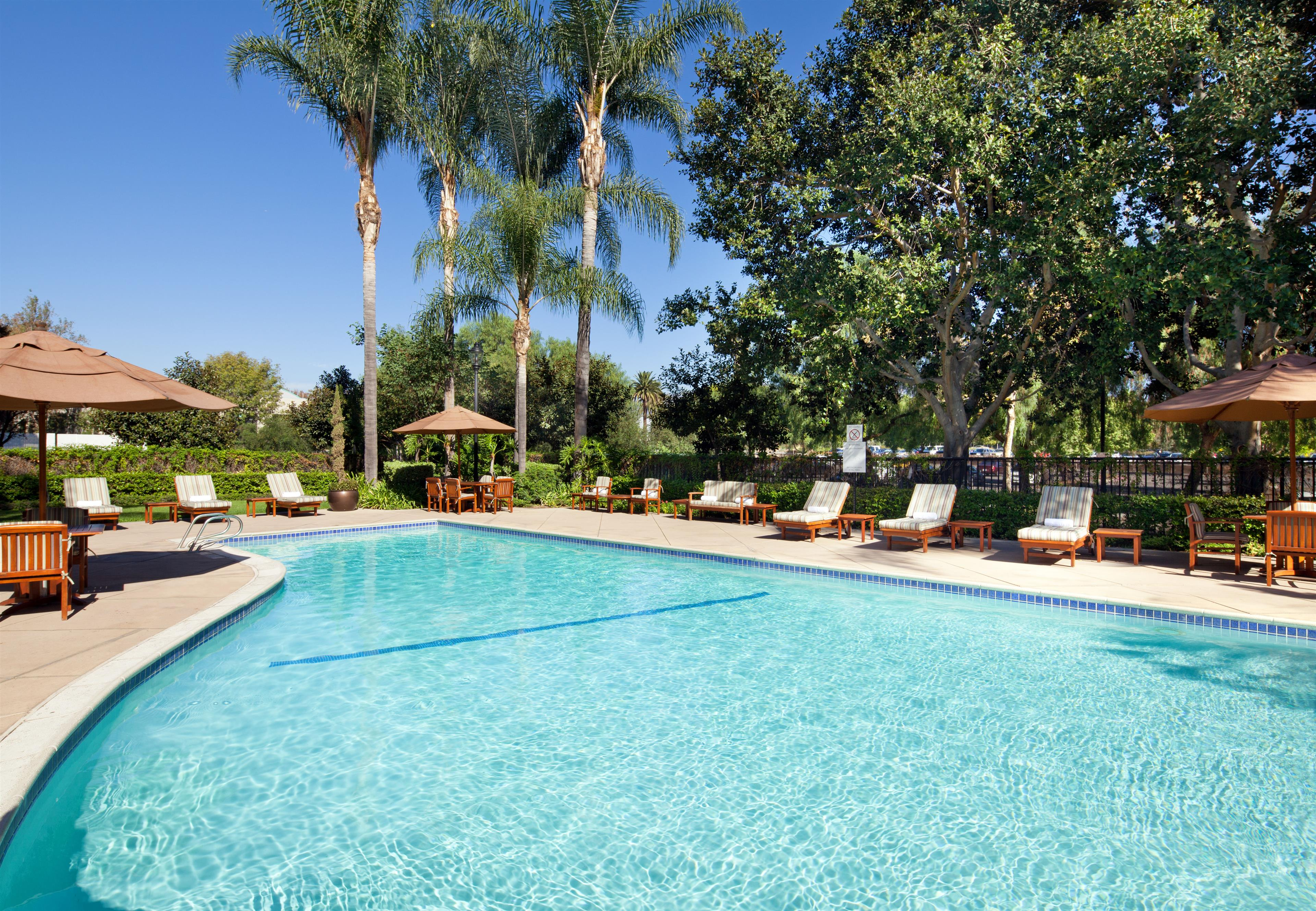 sheraton fairplex hotel conference center in pomona ca. Black Bedroom Furniture Sets. Home Design Ideas