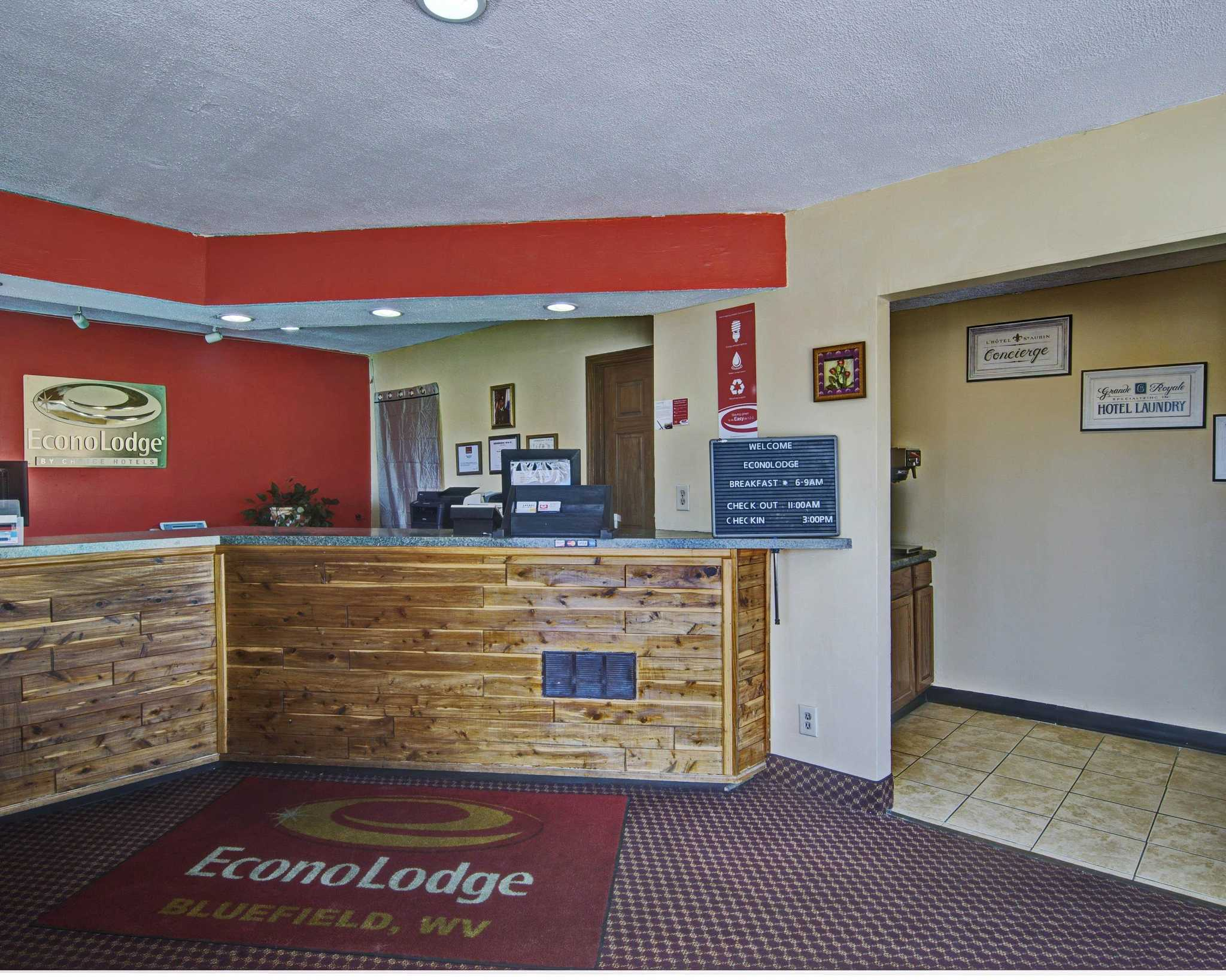 Econo Lodge Near Bluefield College image 3