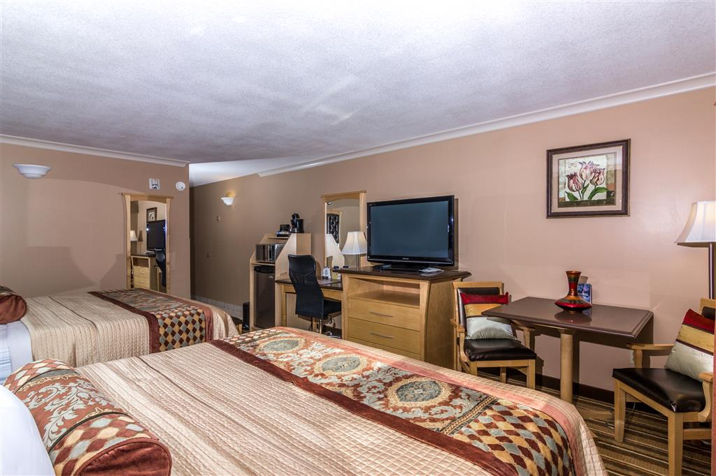Best Western Marquis Inn & Suites in Prince Albert: Two Queen Beds