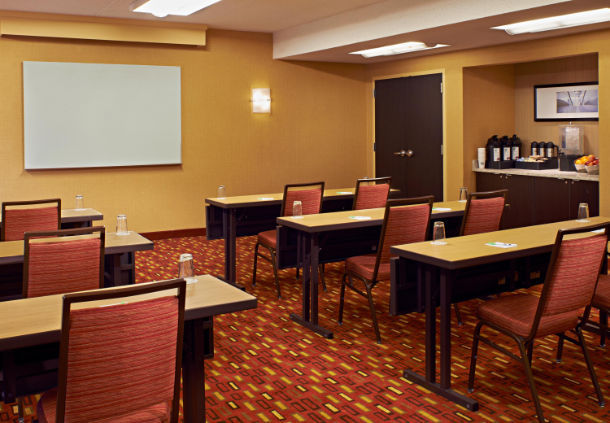 Courtyard by Marriott Chicago Highland Park/Northbrook image 20