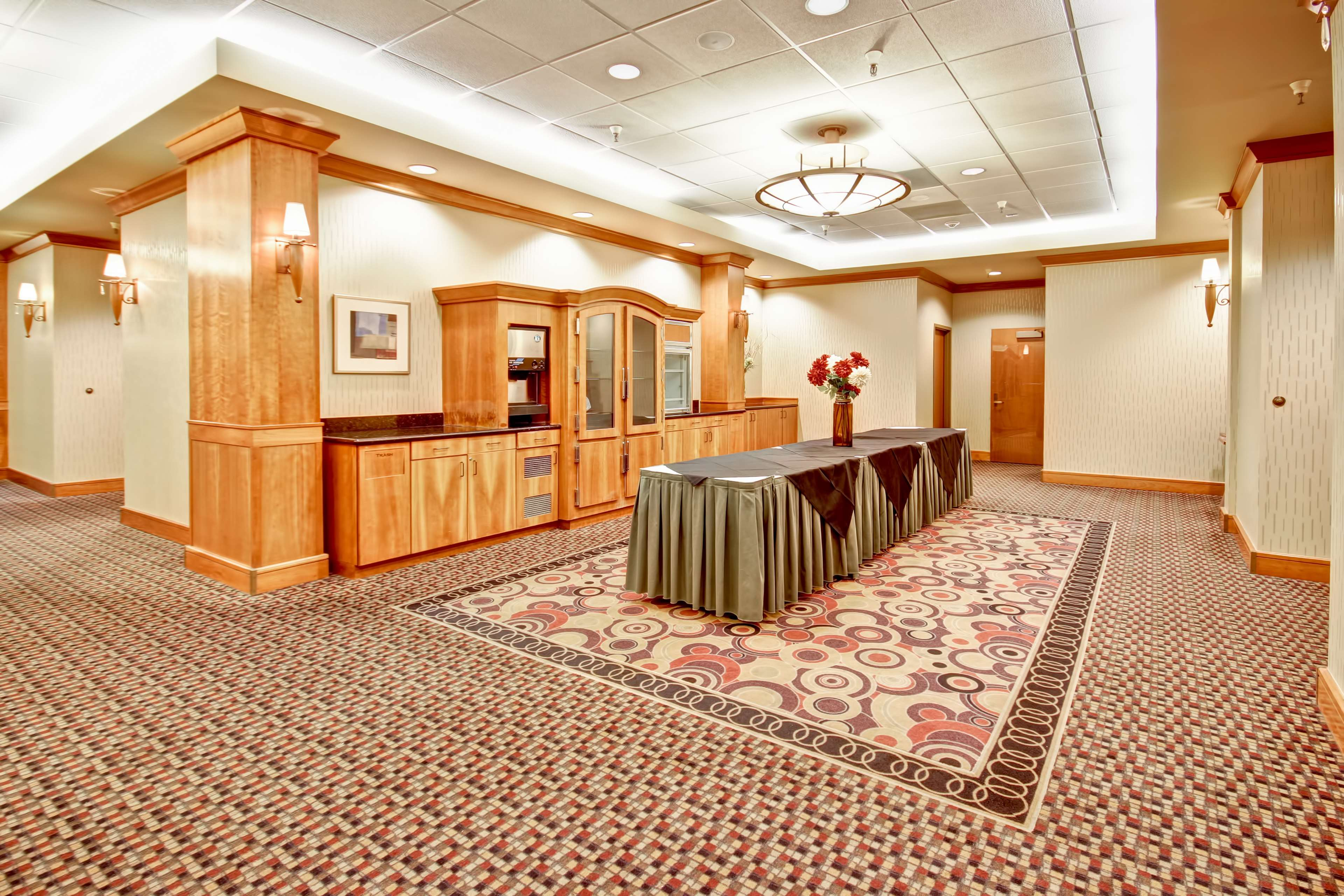 DoubleTree Suites by Hilton Hotel Seattle Airport - Southcenter image 19