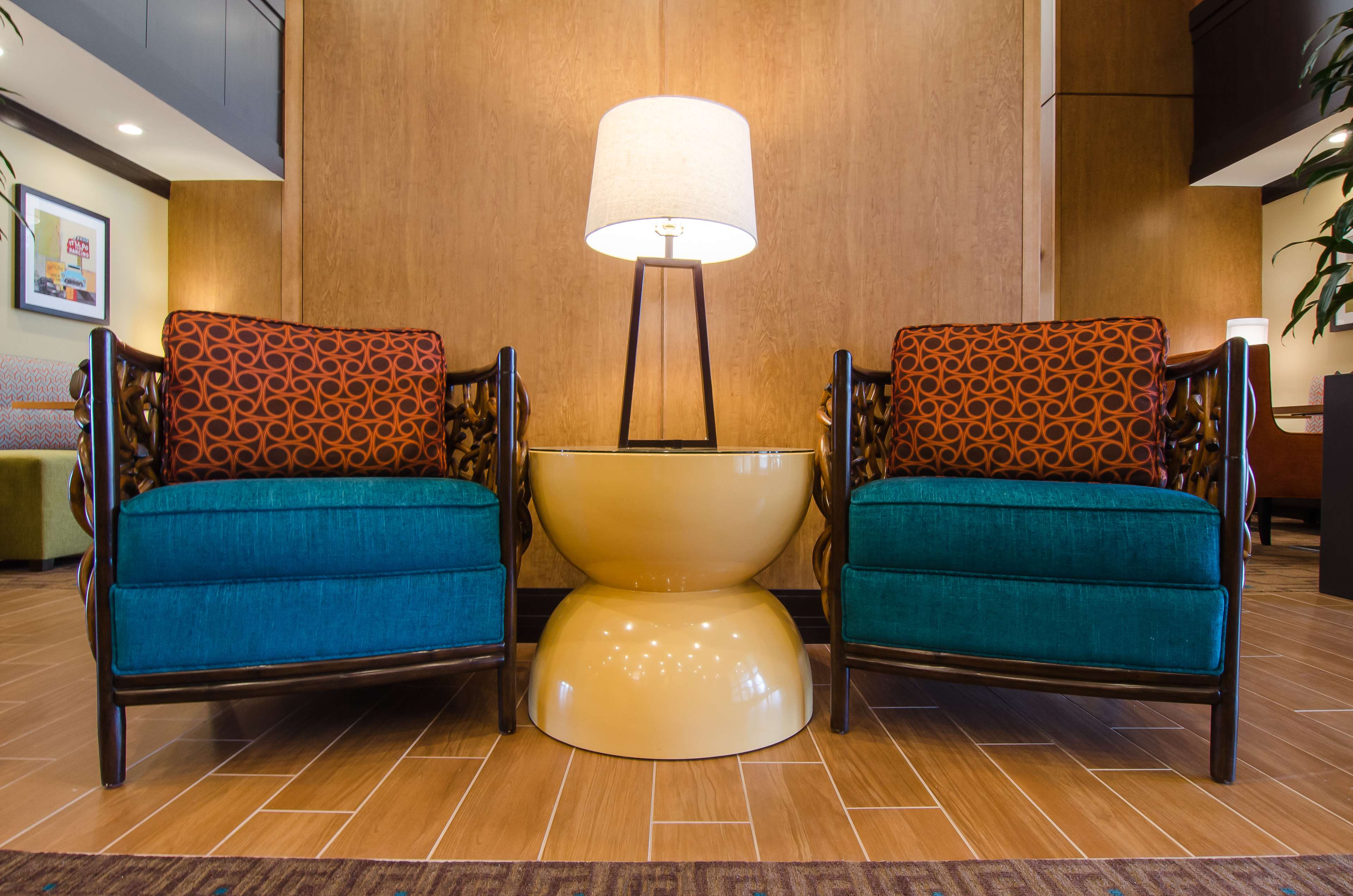 Hampton Inn & Suites Houston North IAH image 2