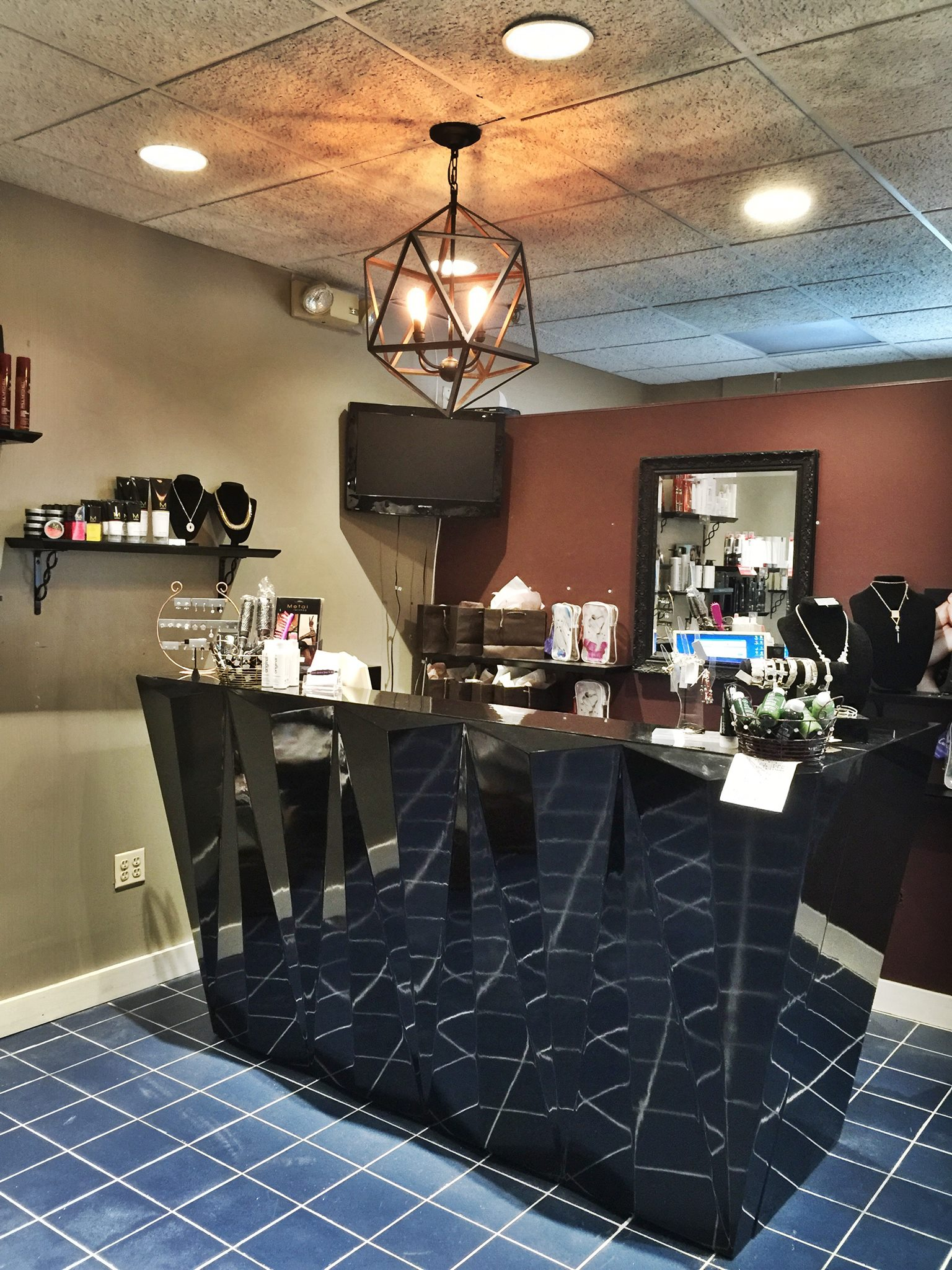 Deidre Ventura Salon & Spa image 0