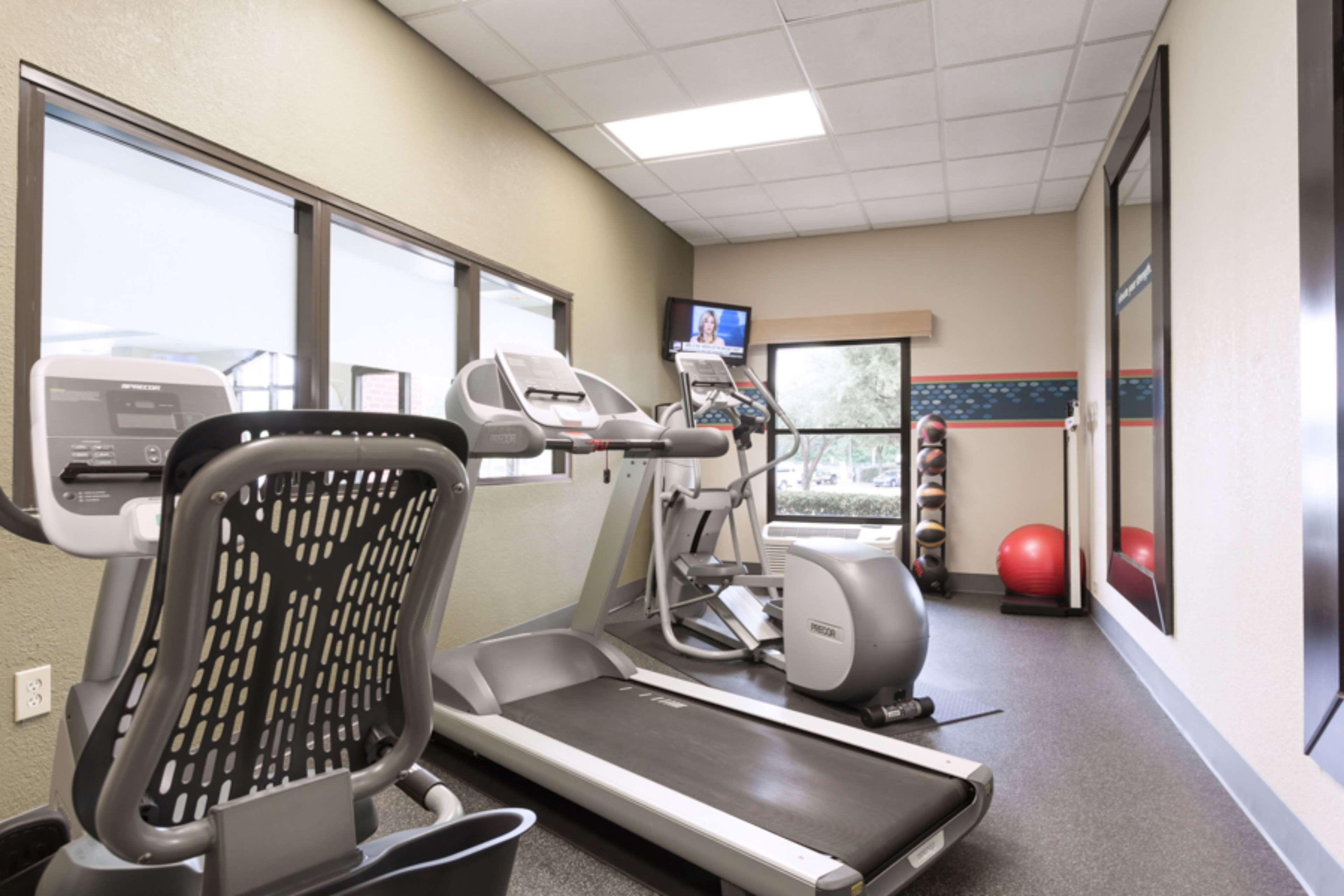Hampton Inn & Suites Dallas-DFW Airport North-Grapevine image 11