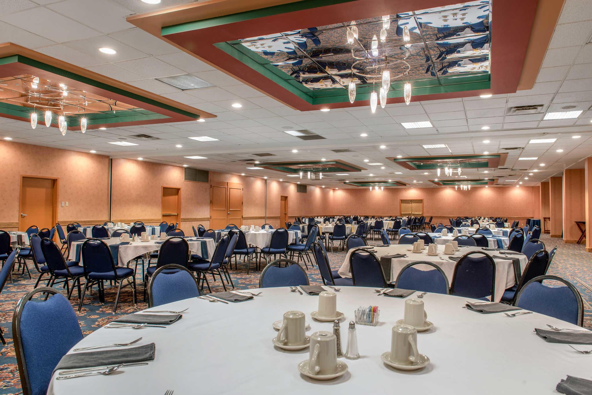 Quality Hotel - Cincinnati Blue Ash image 37