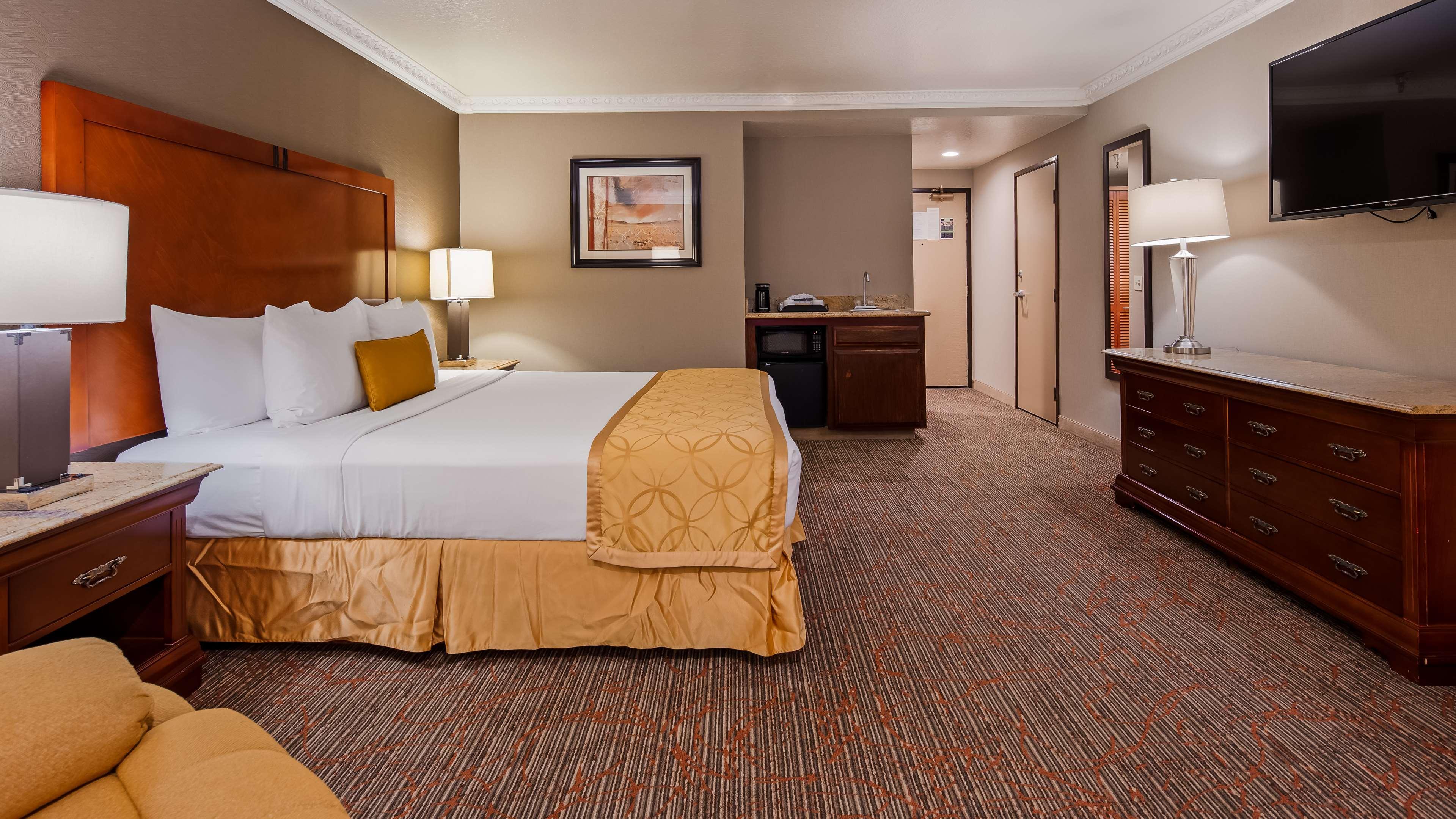 Best Western Plus Newport Mesa Inn image 8