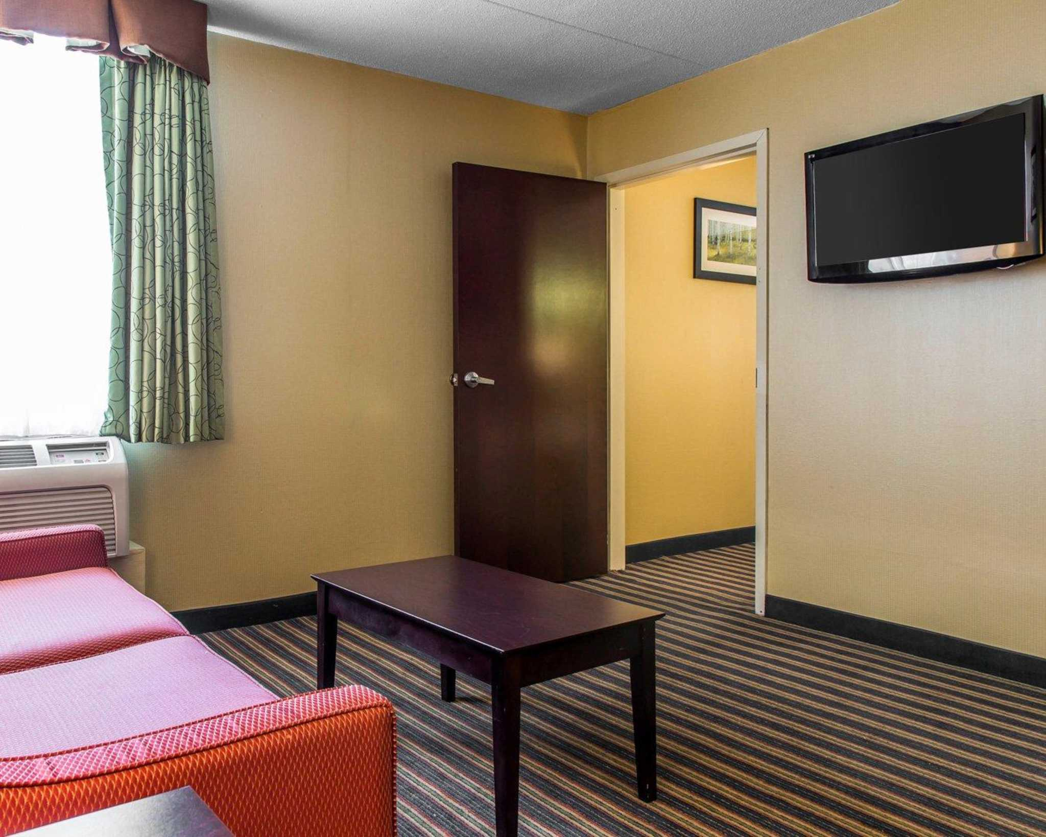 Comfort Inn & Suites East Hartford - Hartford image 15