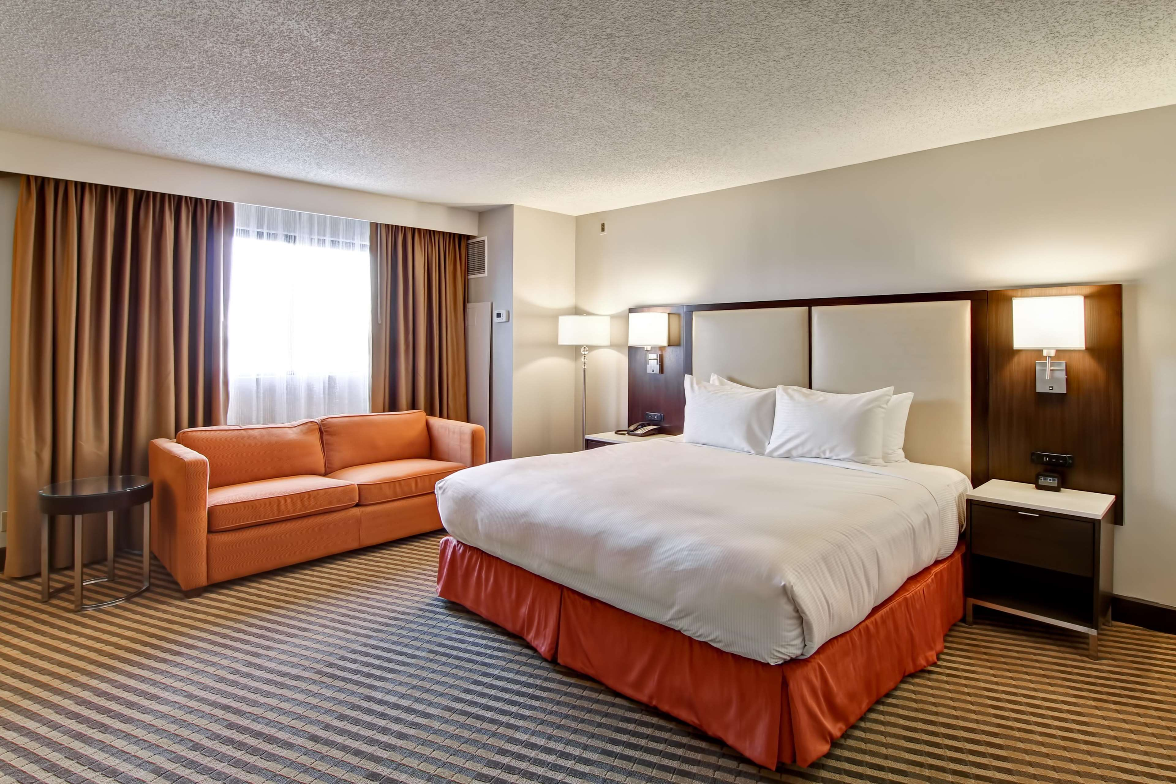 DoubleTree by Hilton Hotel Pleasanton at the Club image 24