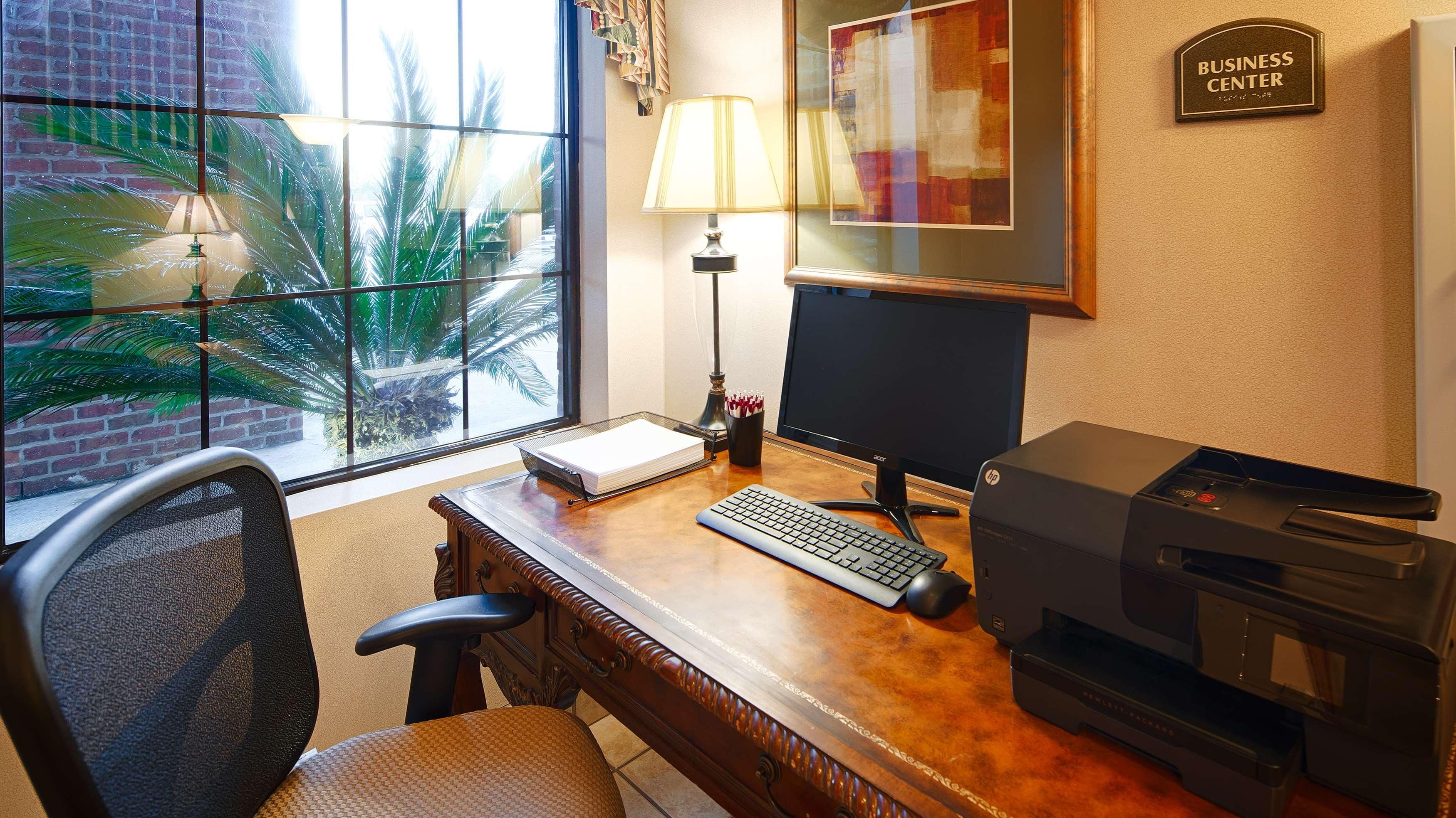 Best Western Plus Executive Hotel & Suites image 30