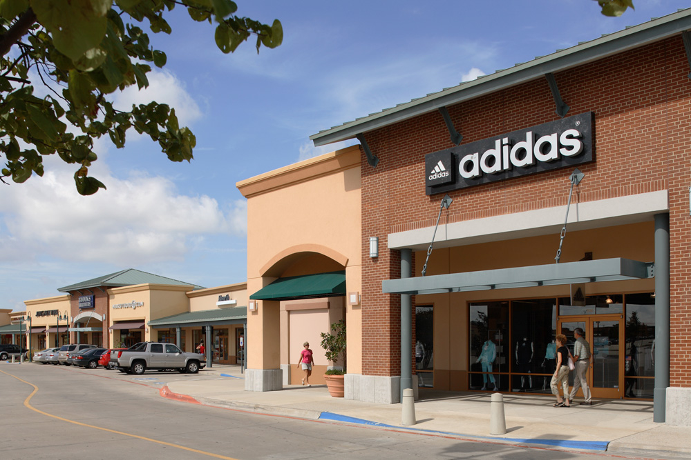 View outlet directory info for Allen Premium Outlets in Allen, TX – including stores, hours of operation, phone numbers, and more.