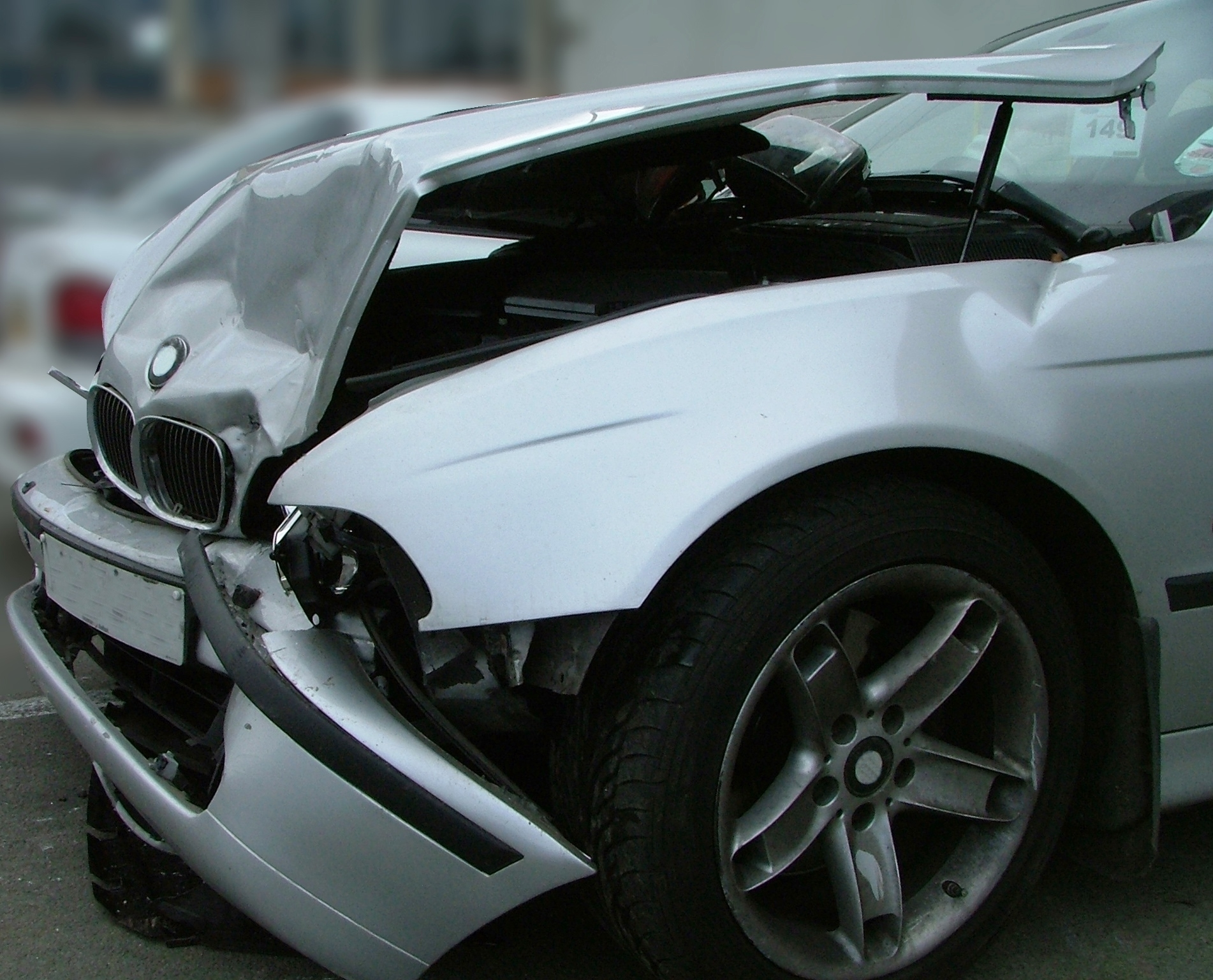 Hi-Tech Paint & Collision Ltd in Medicine Hat: Car accident