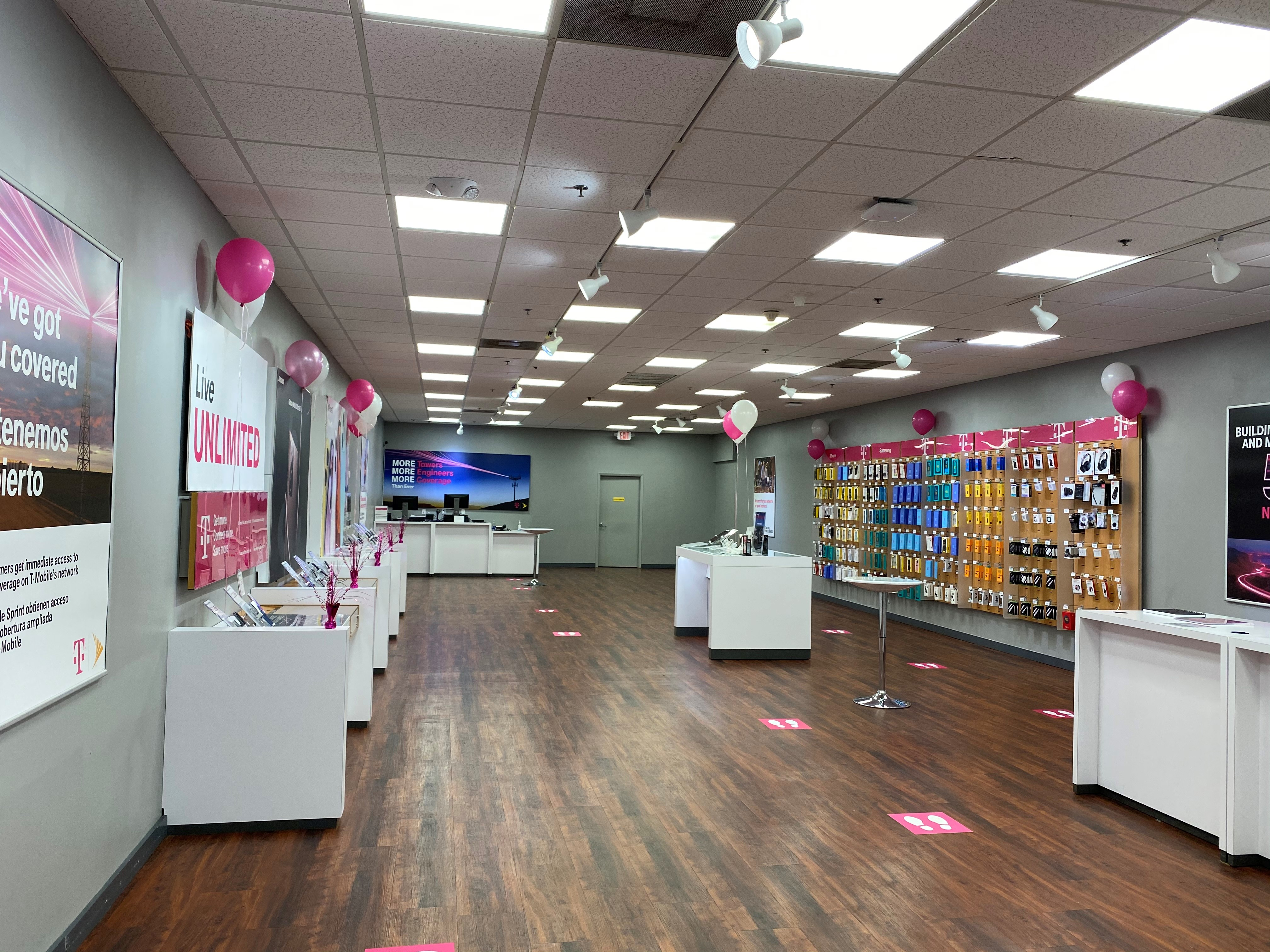 T-Mobile in Coral Springs, FL, photo #2