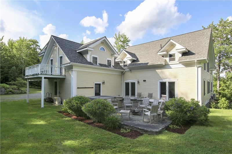 Stowe Country Homes image 47