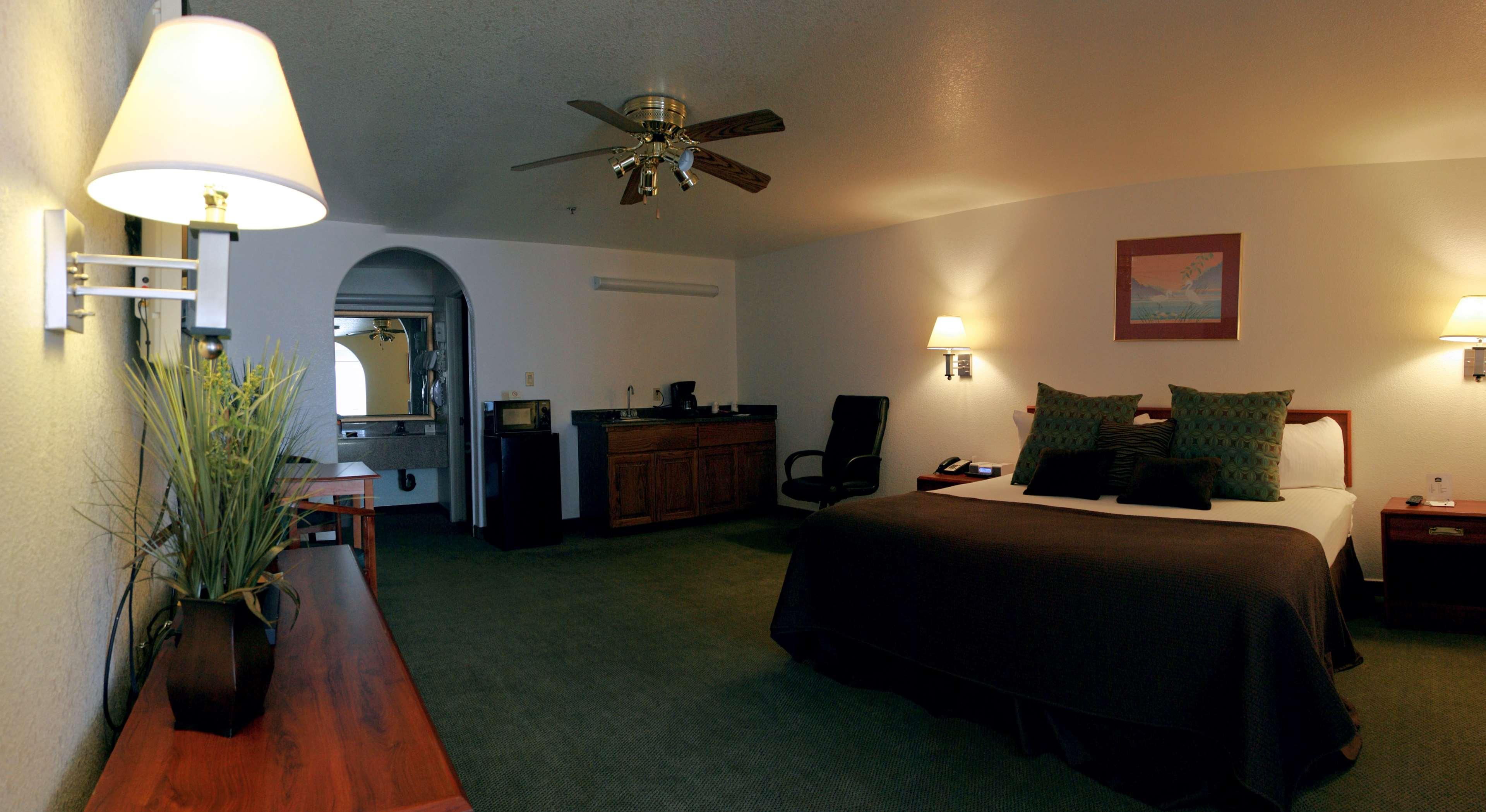 Best Western Colorado River Inn image 27