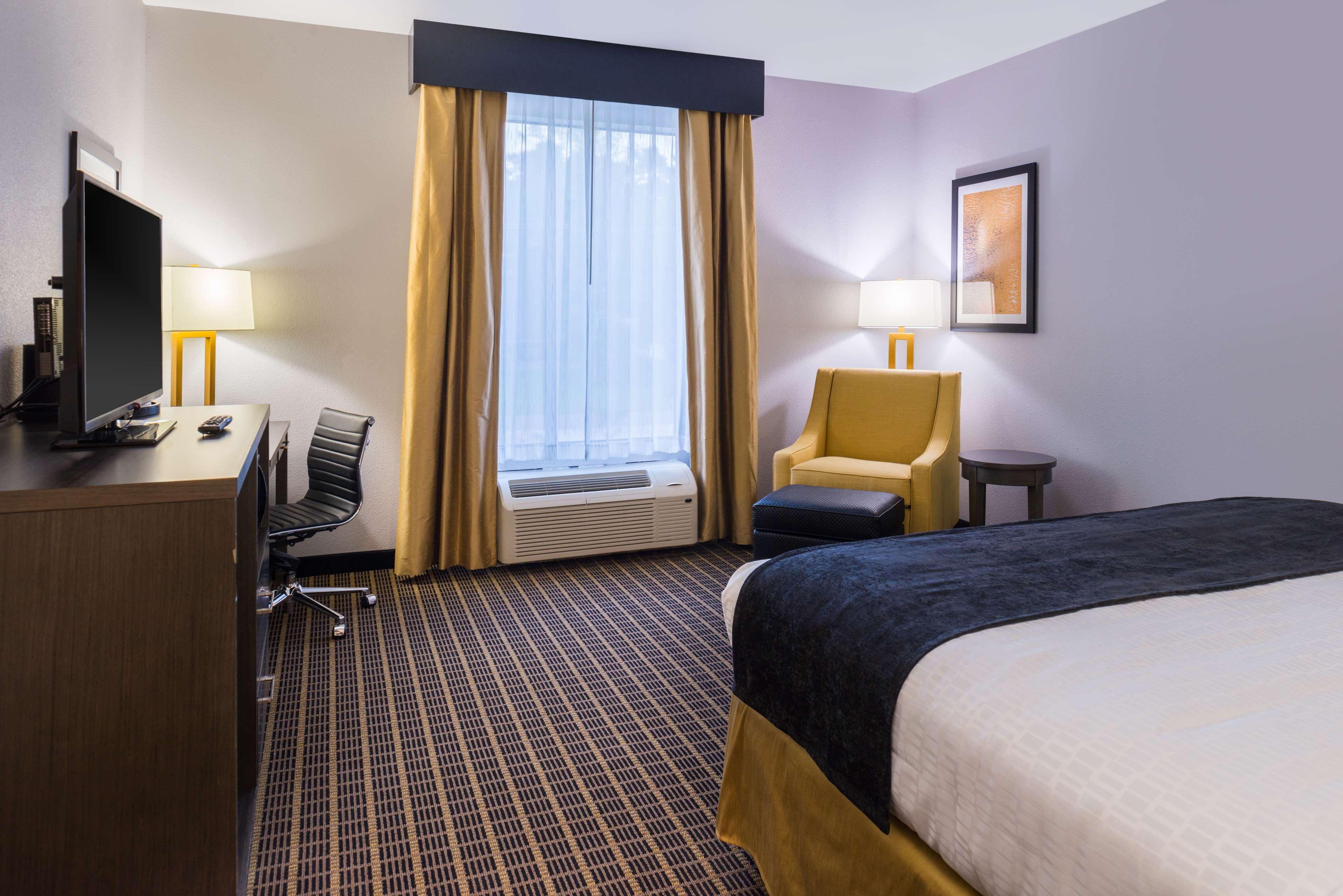 Best Western Plus Regency Park Hotel image 39