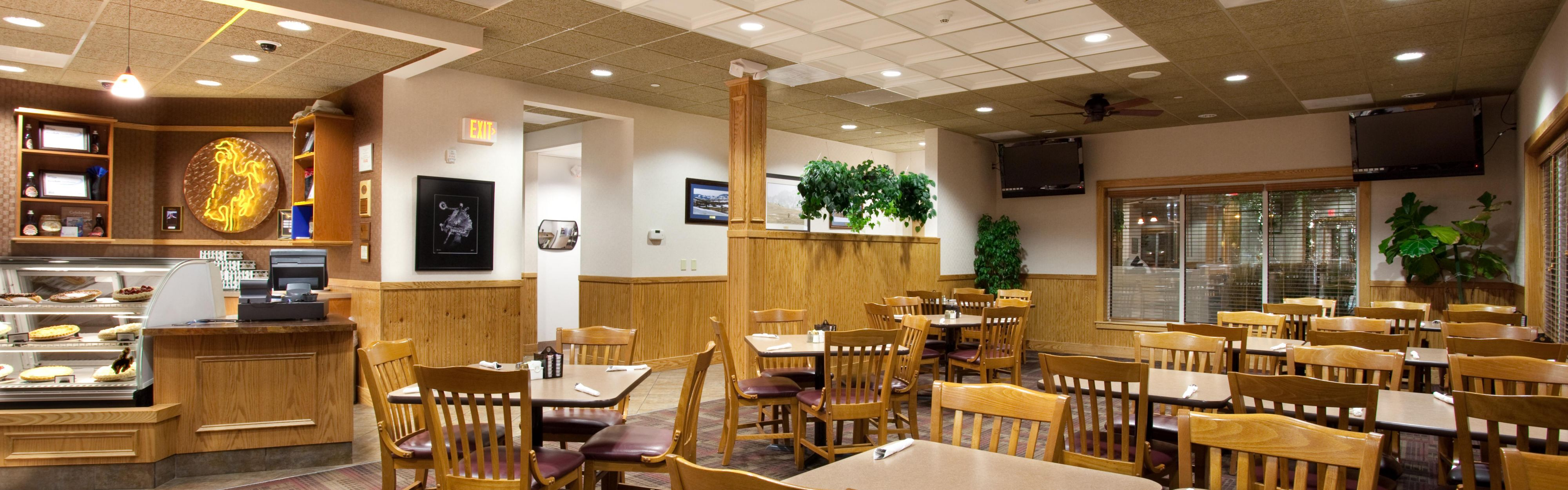 Holiday Inn Laramie image 3