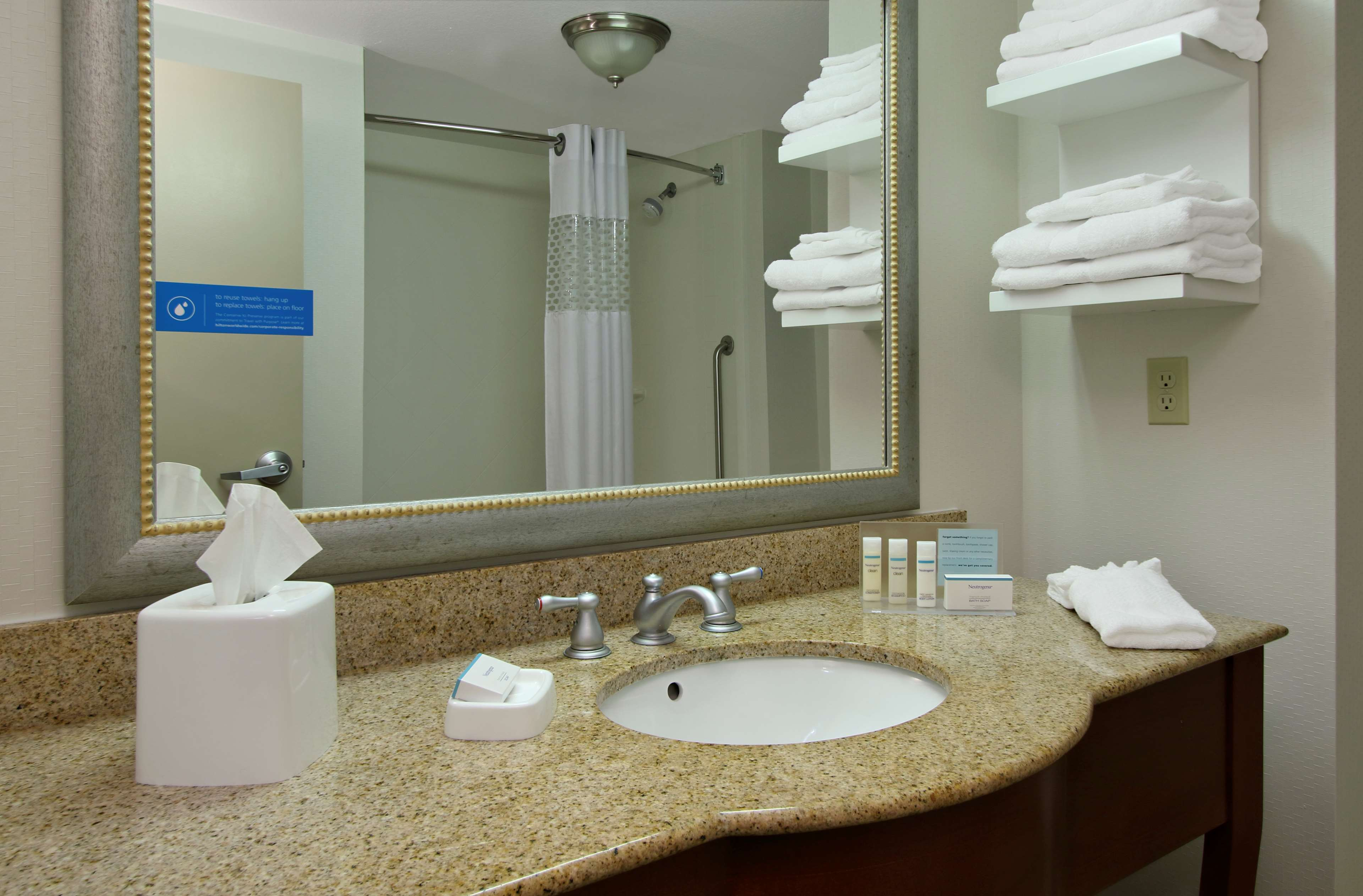 Hampton Inn Jasper image 17