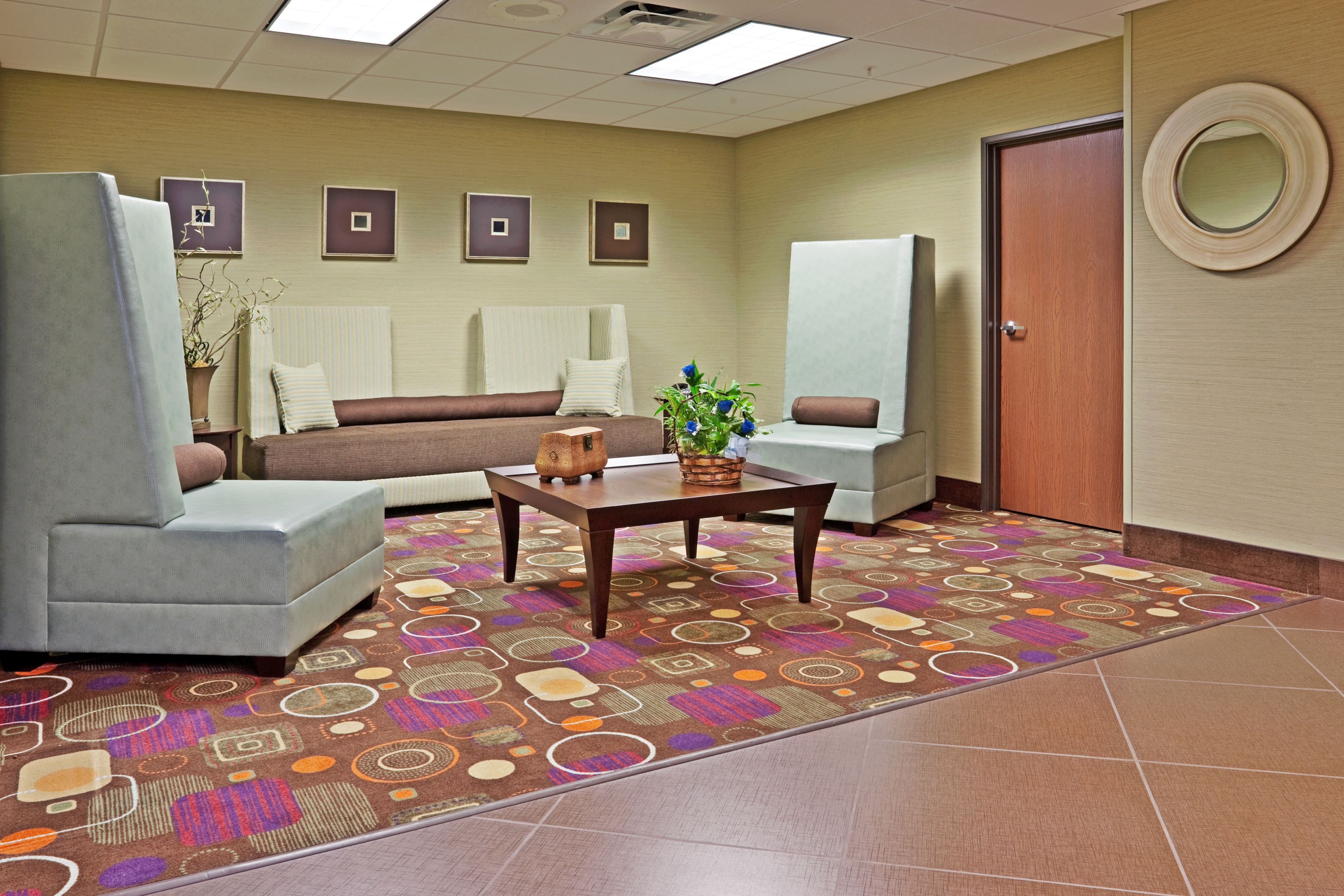 Holiday Inn Express Troutville - Roanoke North image 8