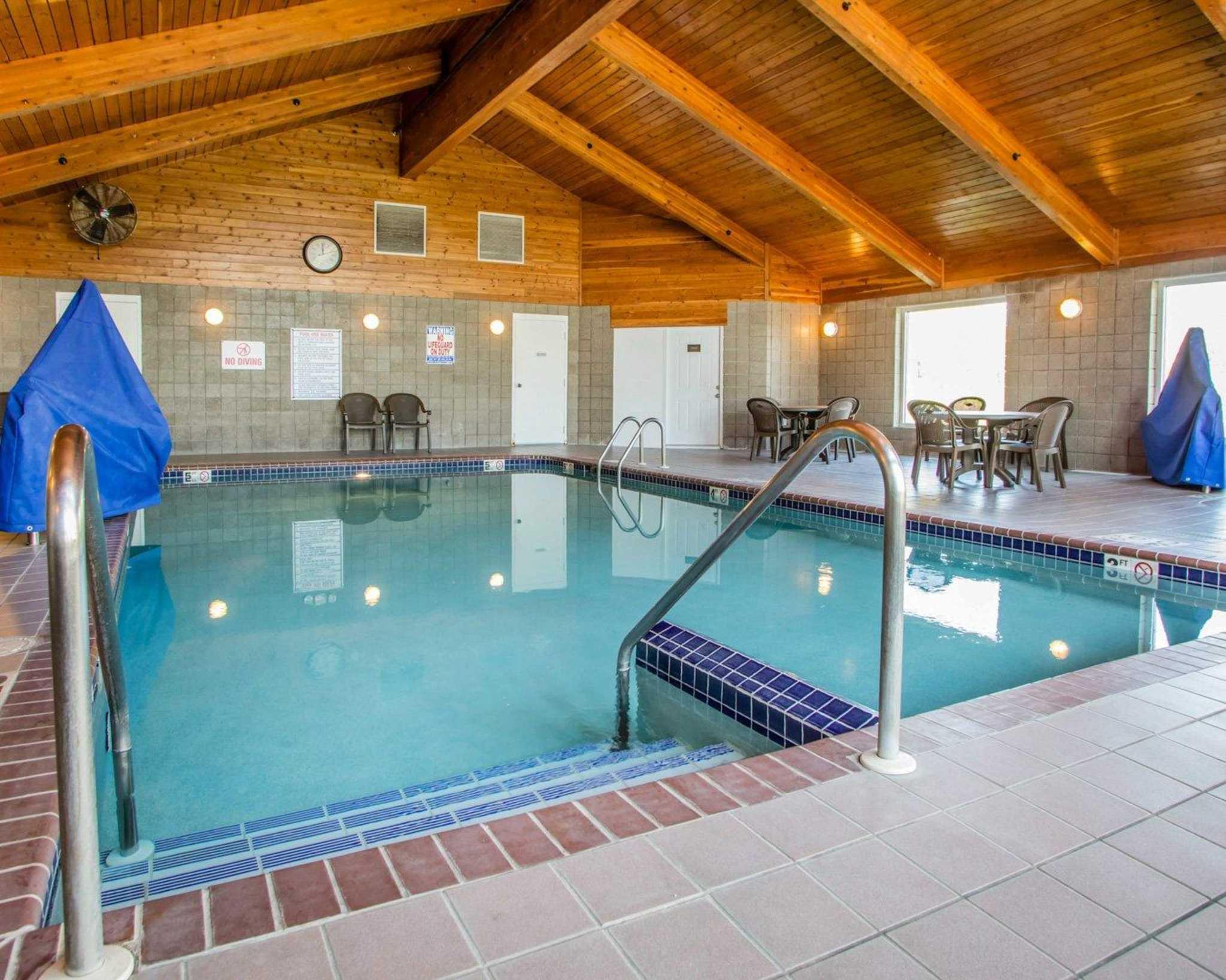 Comfort Inn & Suites Jackson - West Bend image 16
