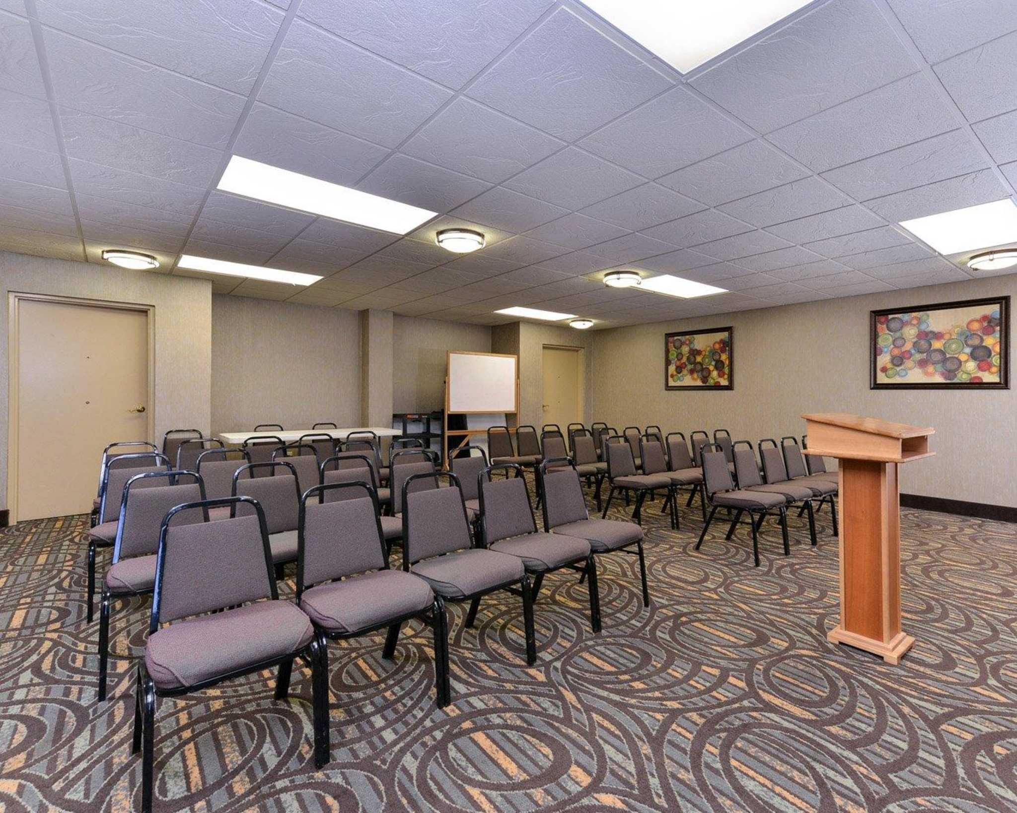 Comfort Inn & Suites at Stone Mountain image 18
