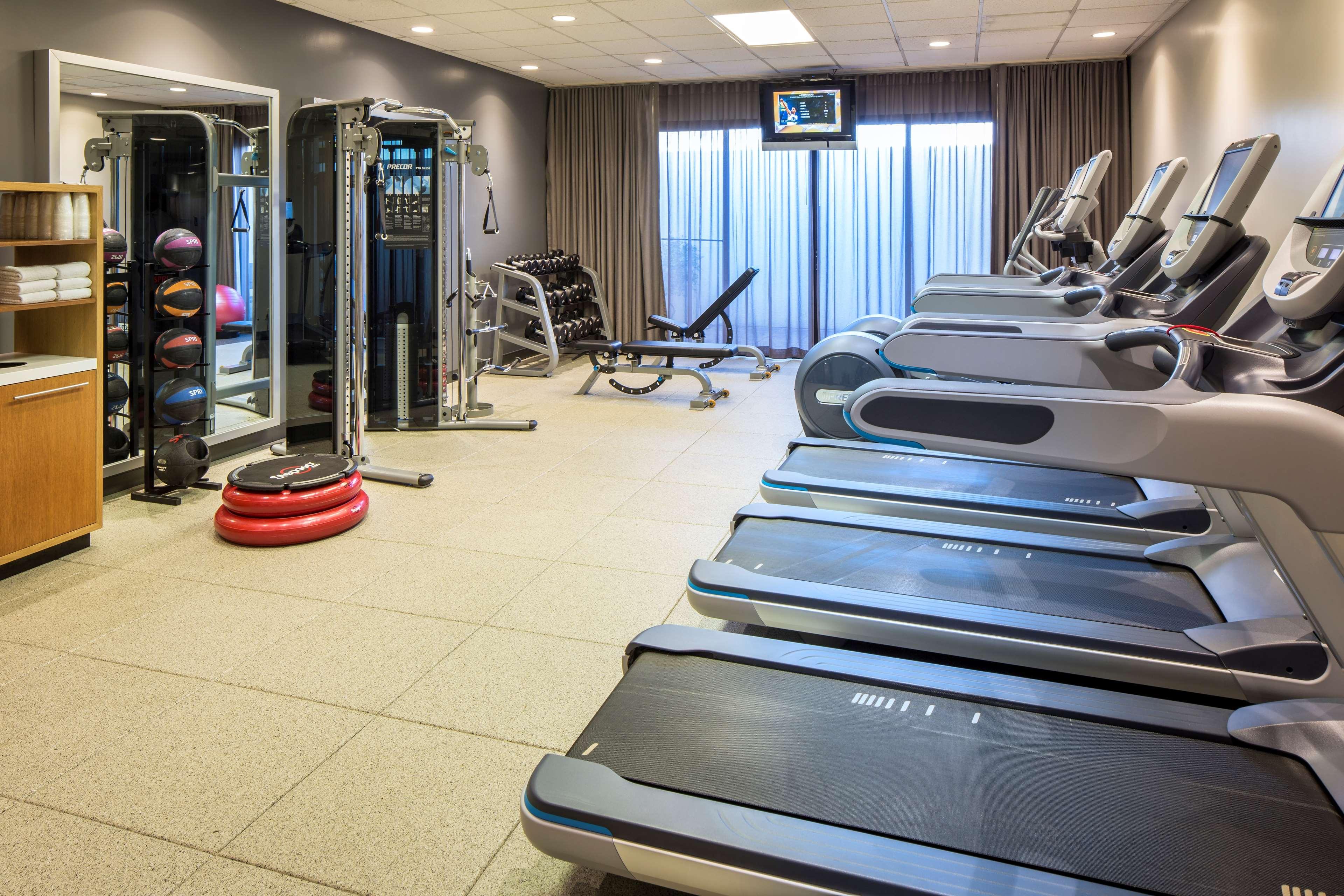 DoubleTree by Hilton Hotel Newark - Fremont image 10