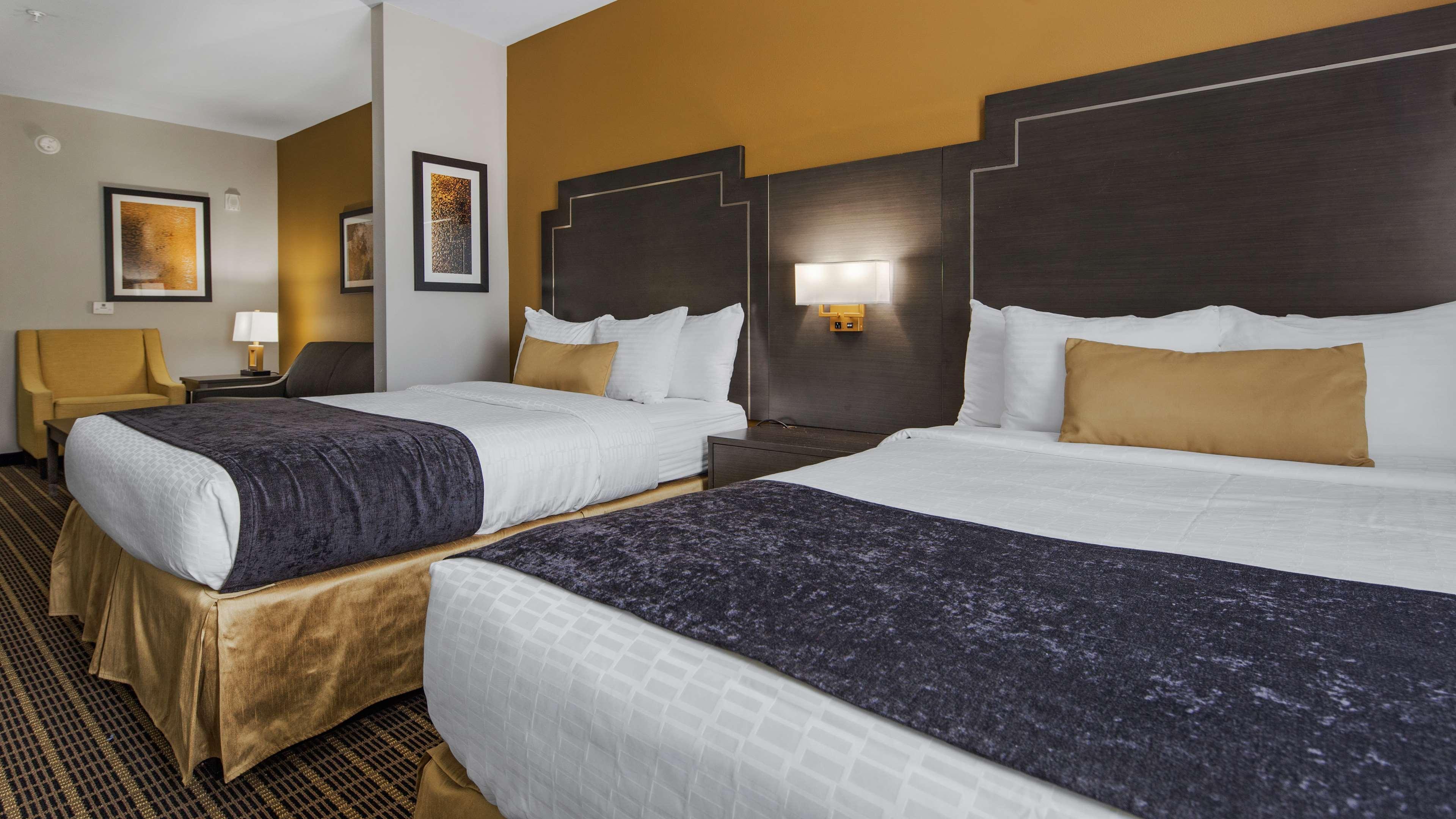 Best Western Plus Regency Park Hotel image 44