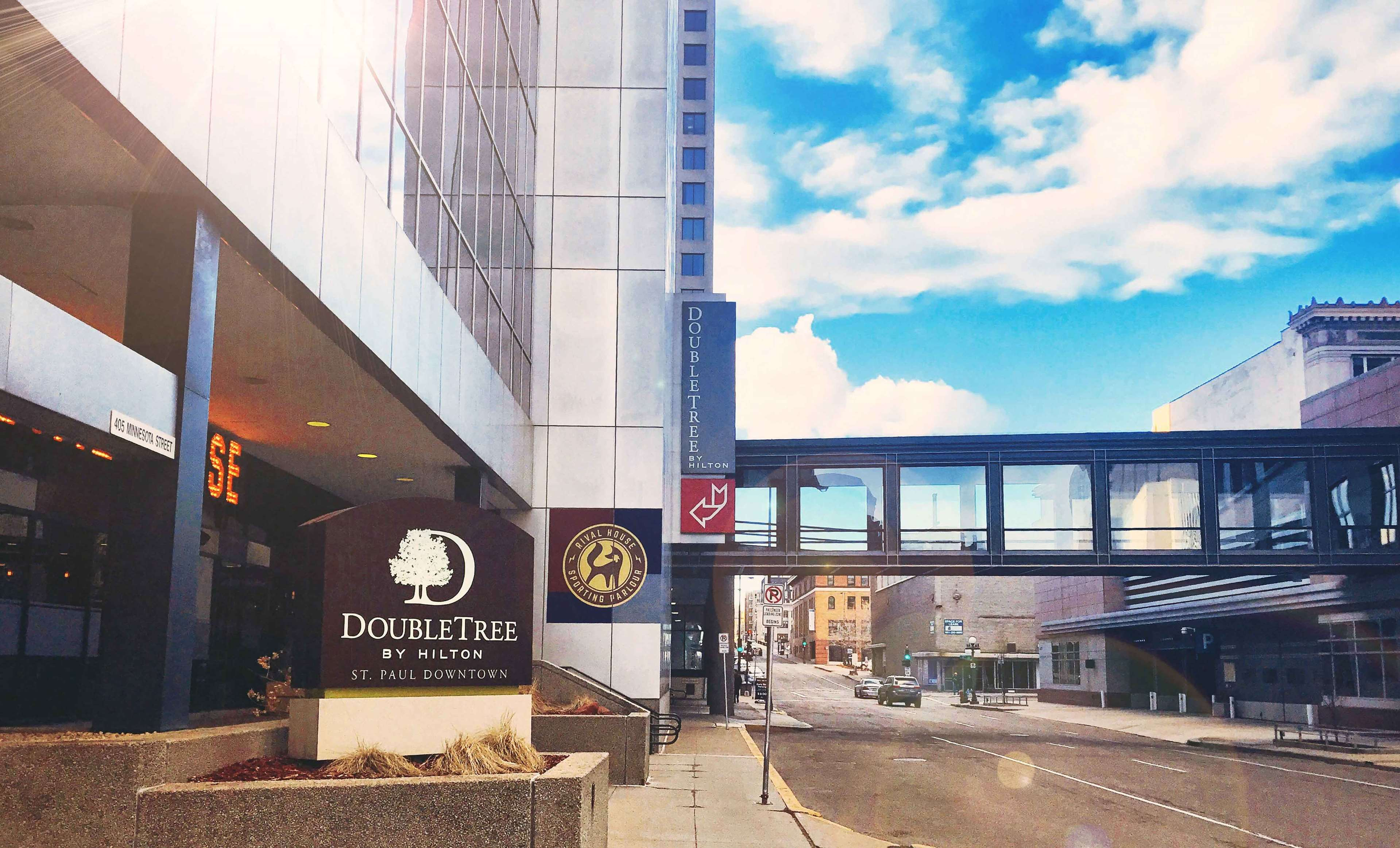 DoubleTree by Hilton Hotel St Paul Downtown image 1