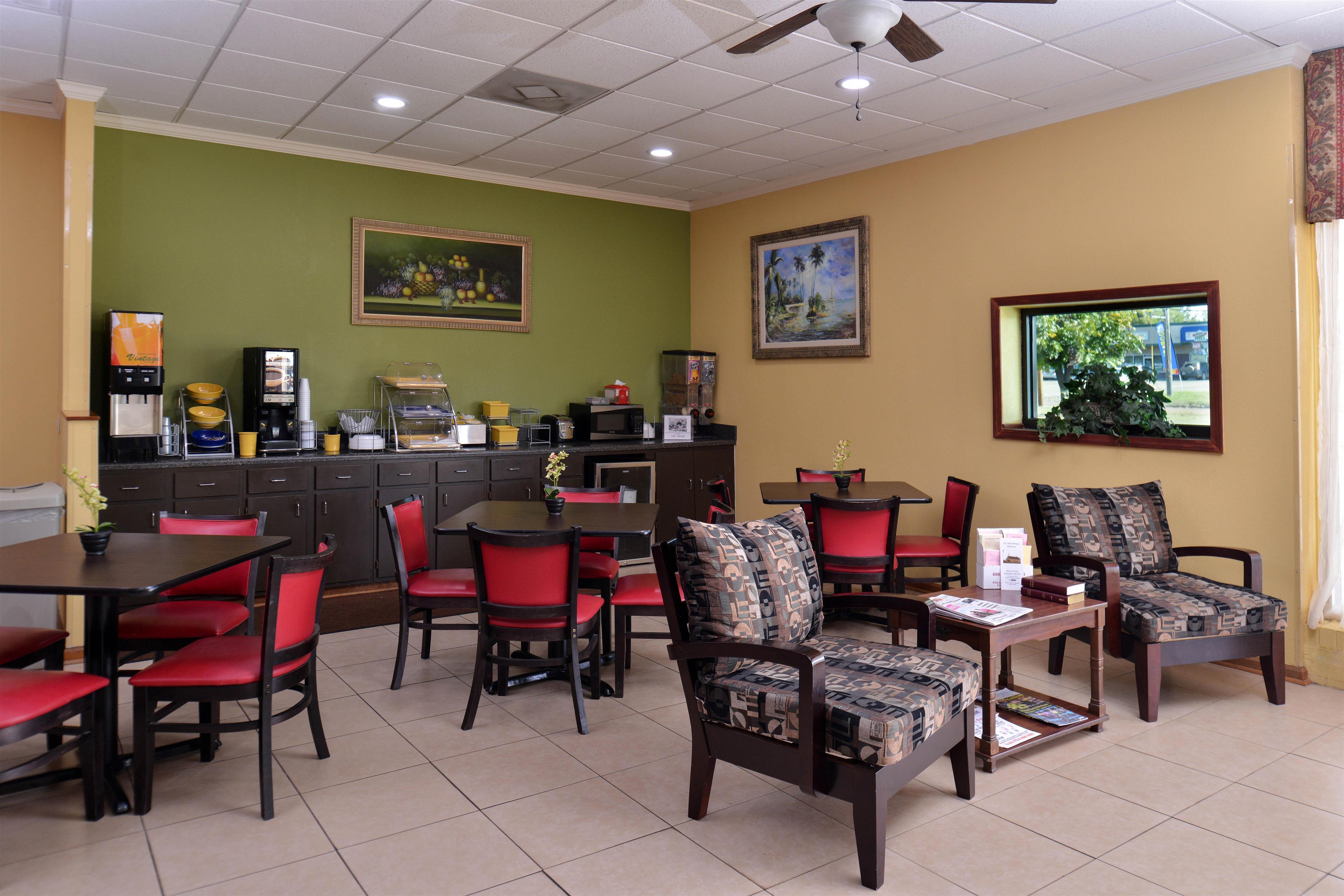 Americas Best Value Inn Pontotoc image 5