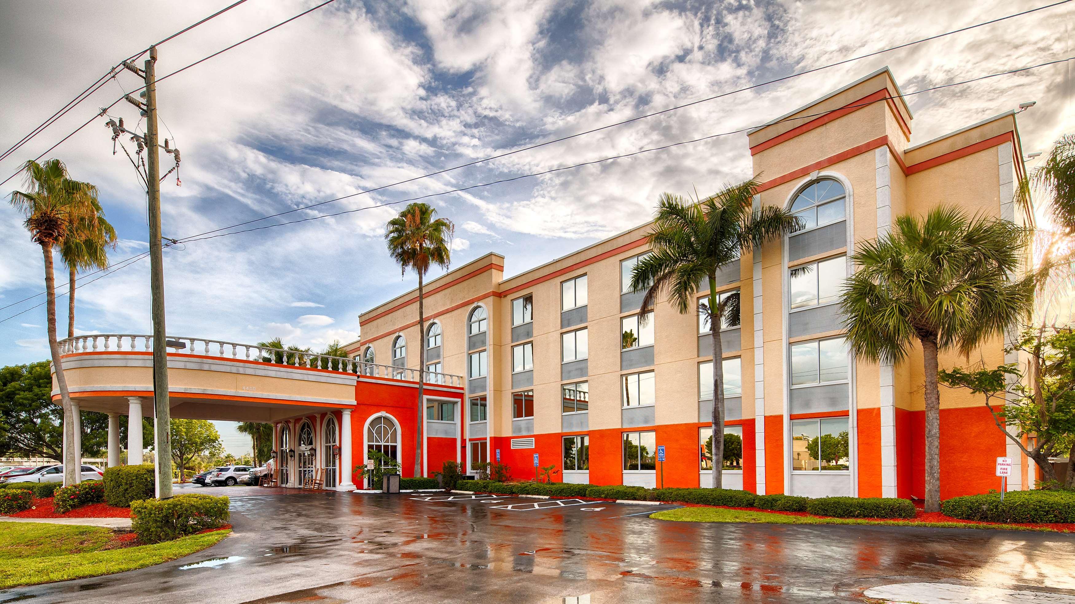 Best Western Fort Myers Inn & Suites image 19
