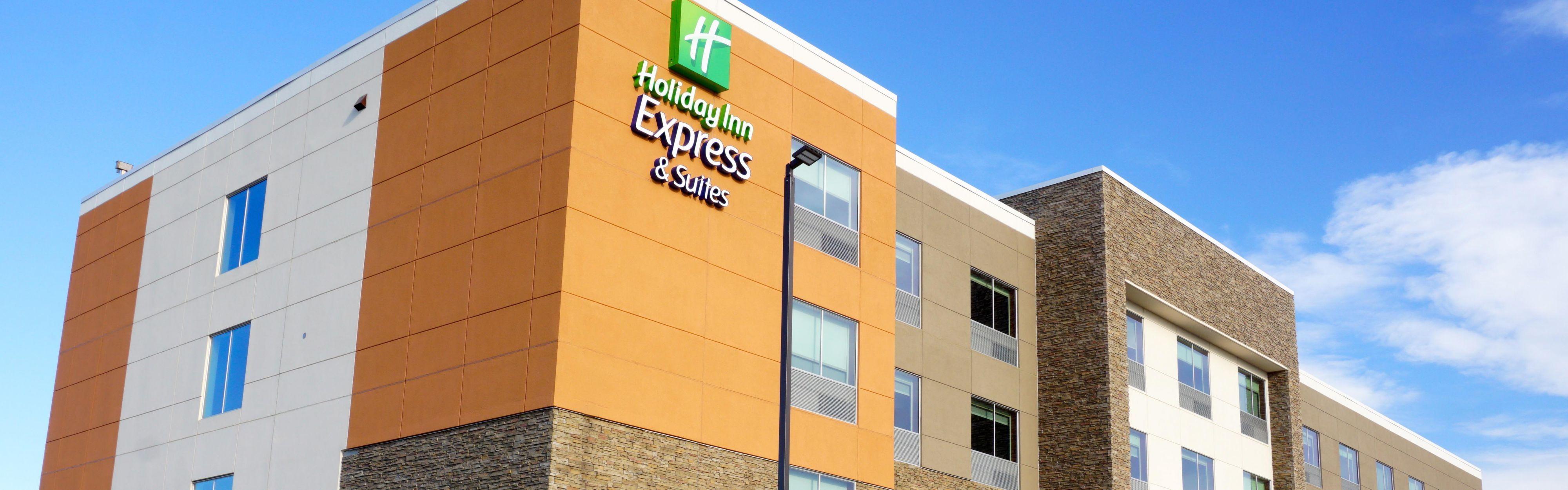 Holiday Inn Express & Suites Omaha - Millard Area image 0