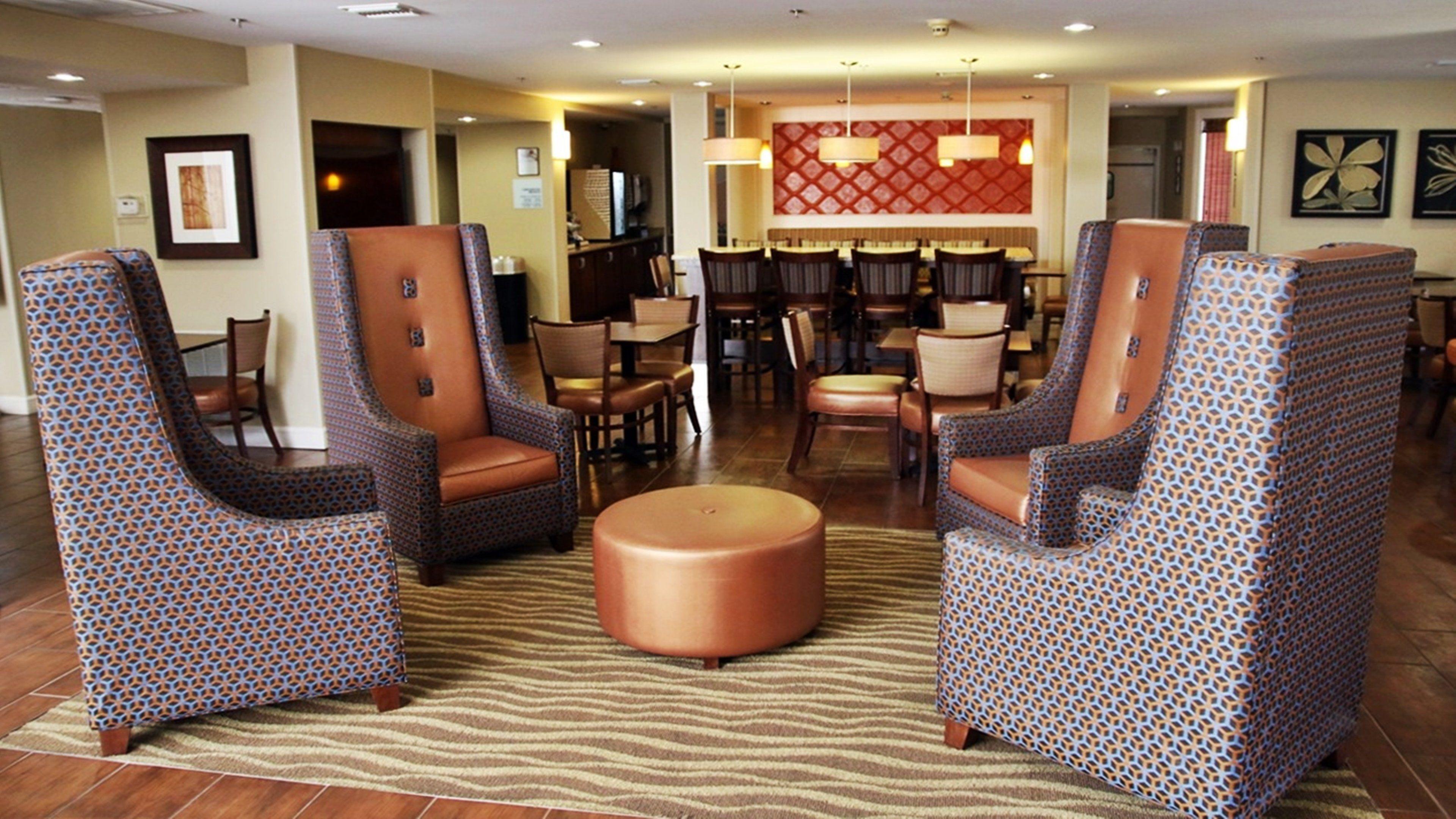 Holiday Inn Express Tifton image 4