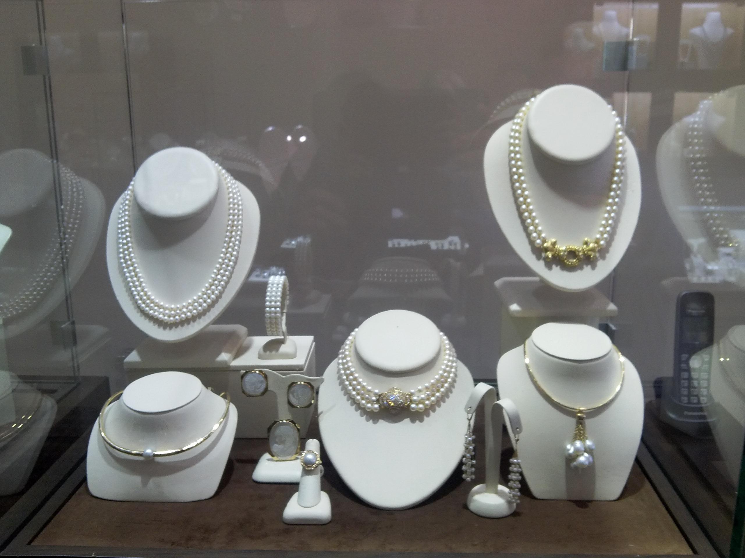 Snow's Jewelers image 3