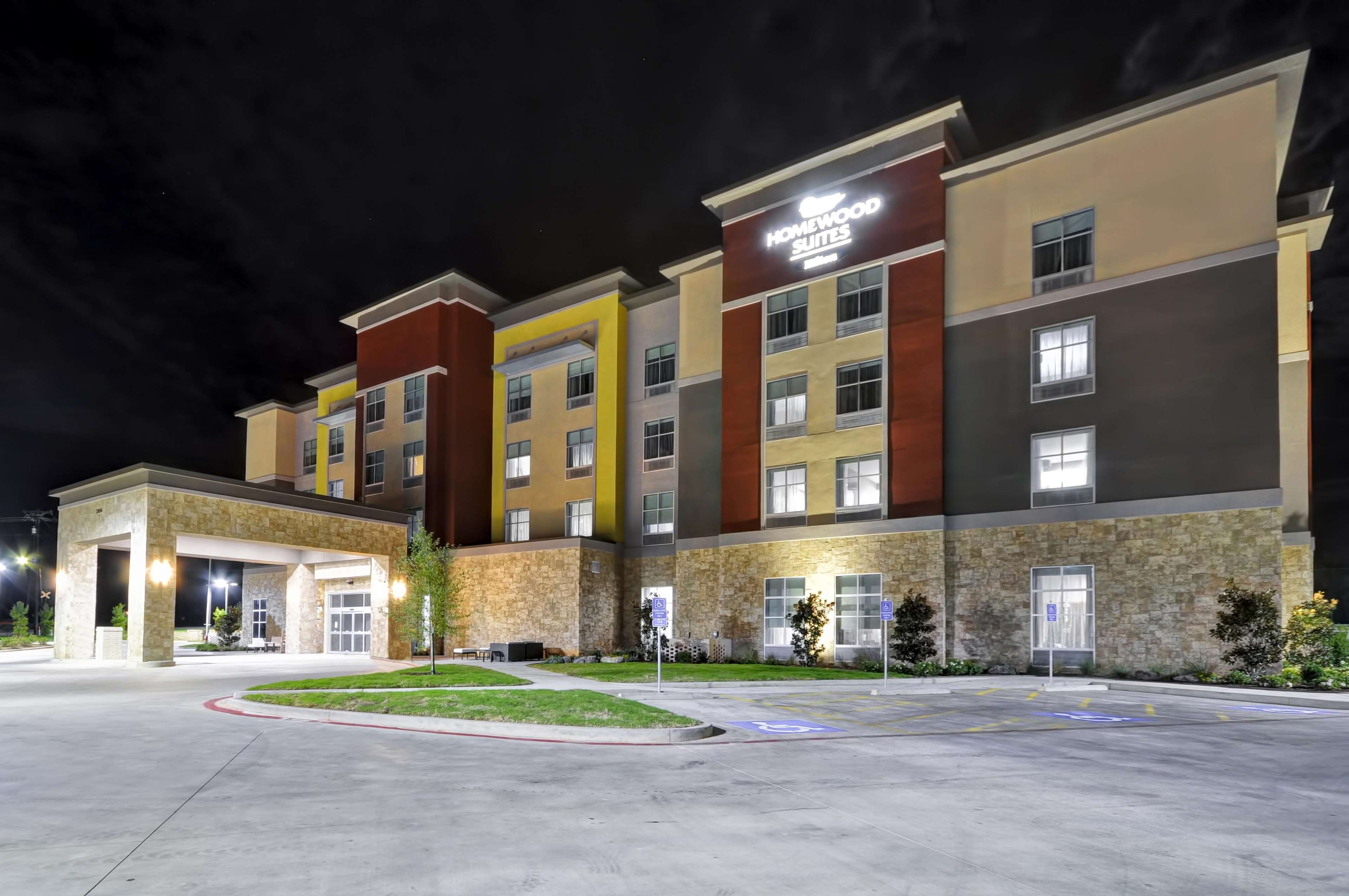 Homewood Suites by Hilton Tyler image 13
