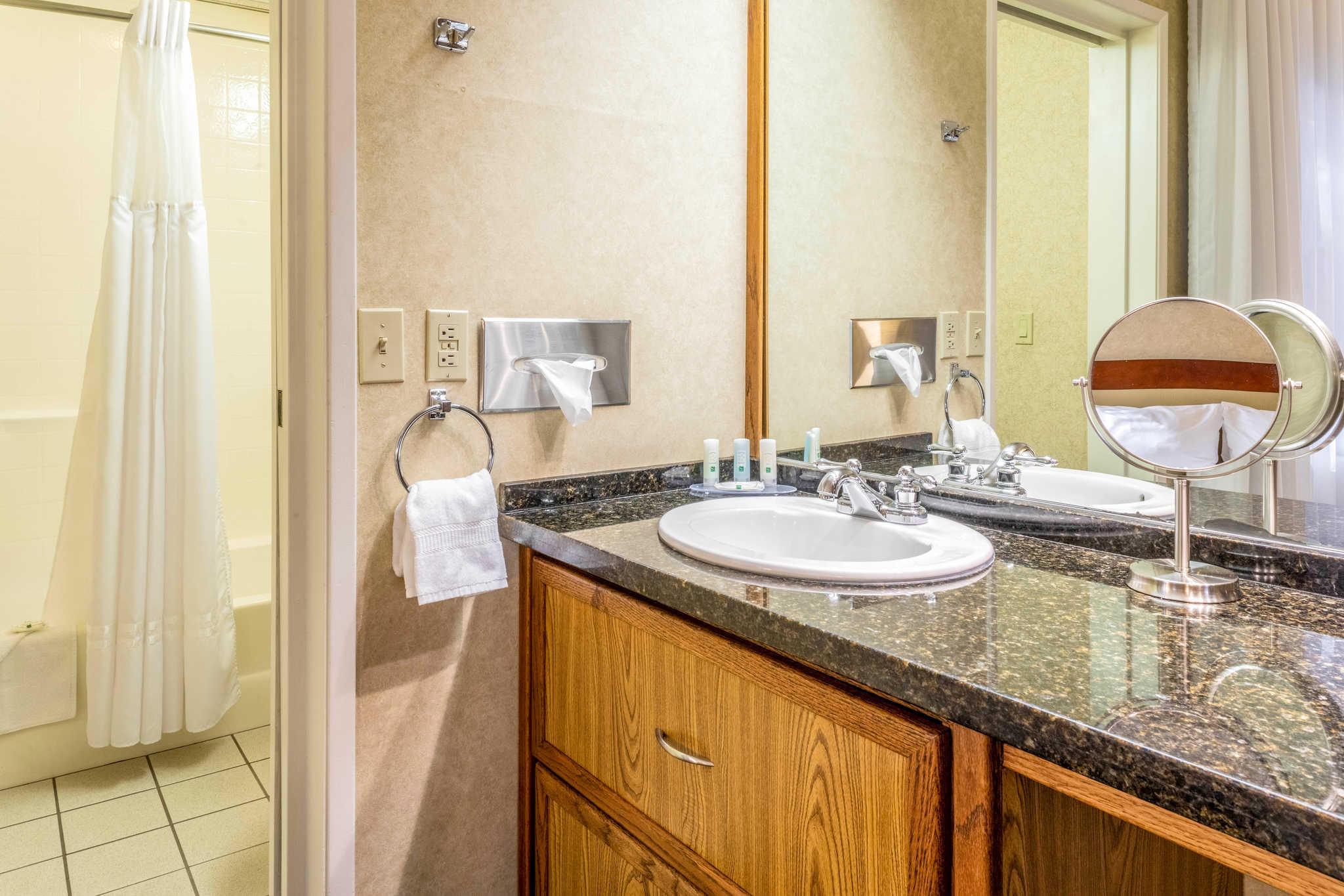Quality Suites Downtown San Luis Obispo image 11