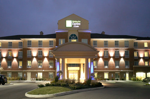 Holiday Inn Express & Suites Cincinnati - Mason image 0
