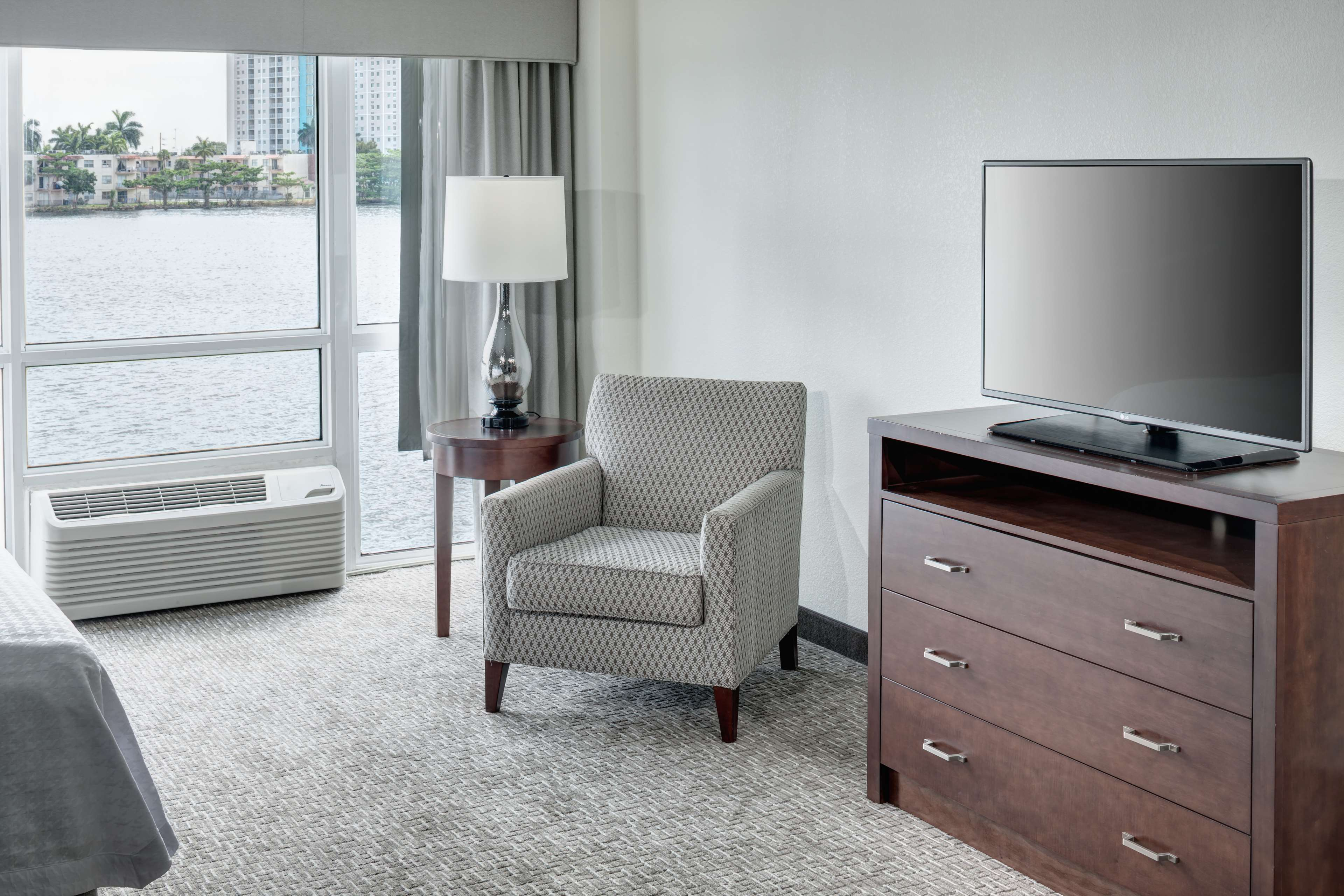 Homewood Suites by Hilton Miami-Airport/Blue Lagoon image 0