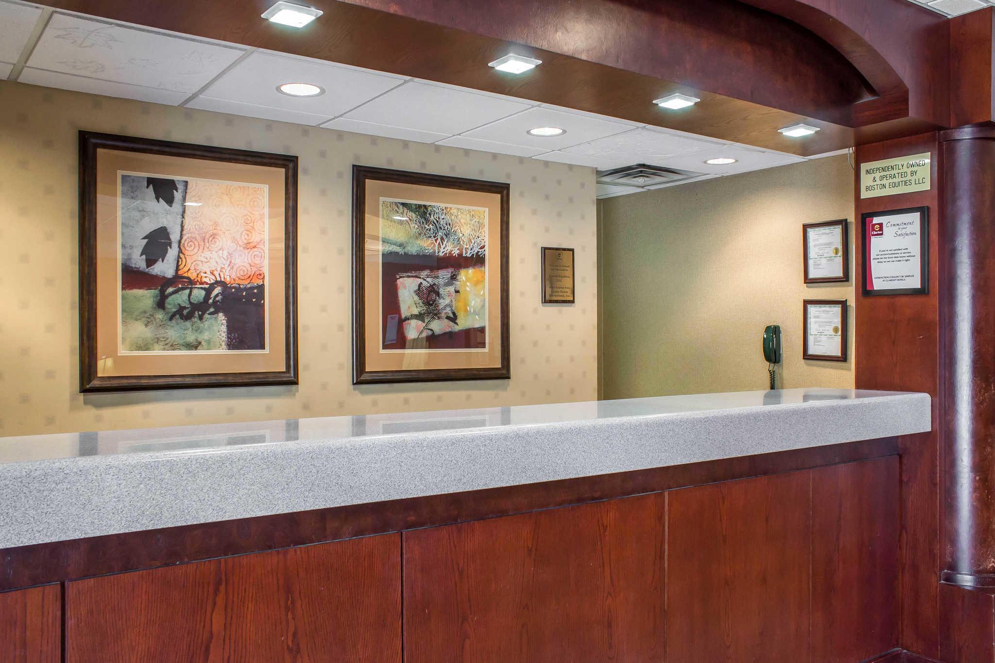 Clarion Inn University Plaza image 2