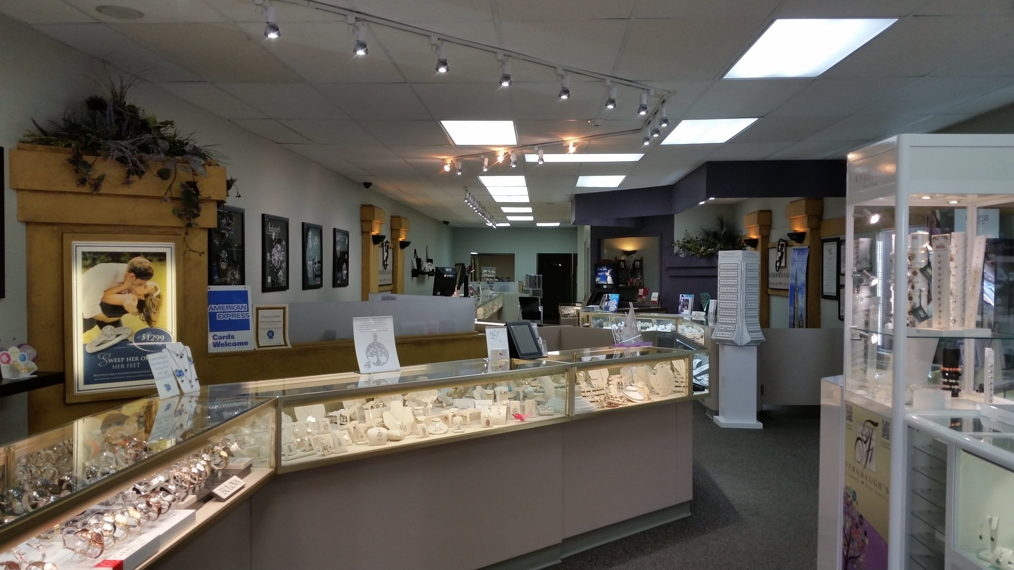Fernbaugh 39 s diamonds and fine jewelry coupons near me in for Local jewelry stores near me