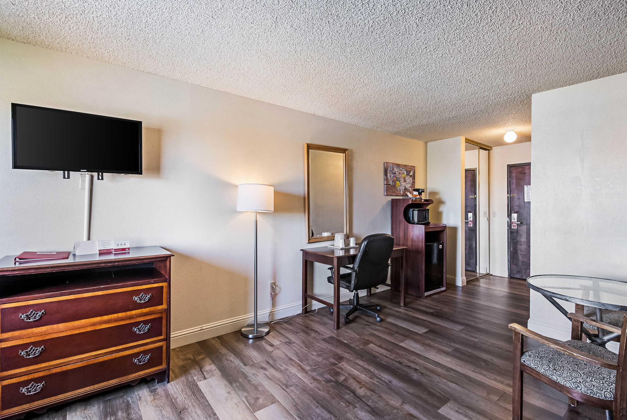 Econo Lodge Inn & Suites Yuba City - Marysville image 20