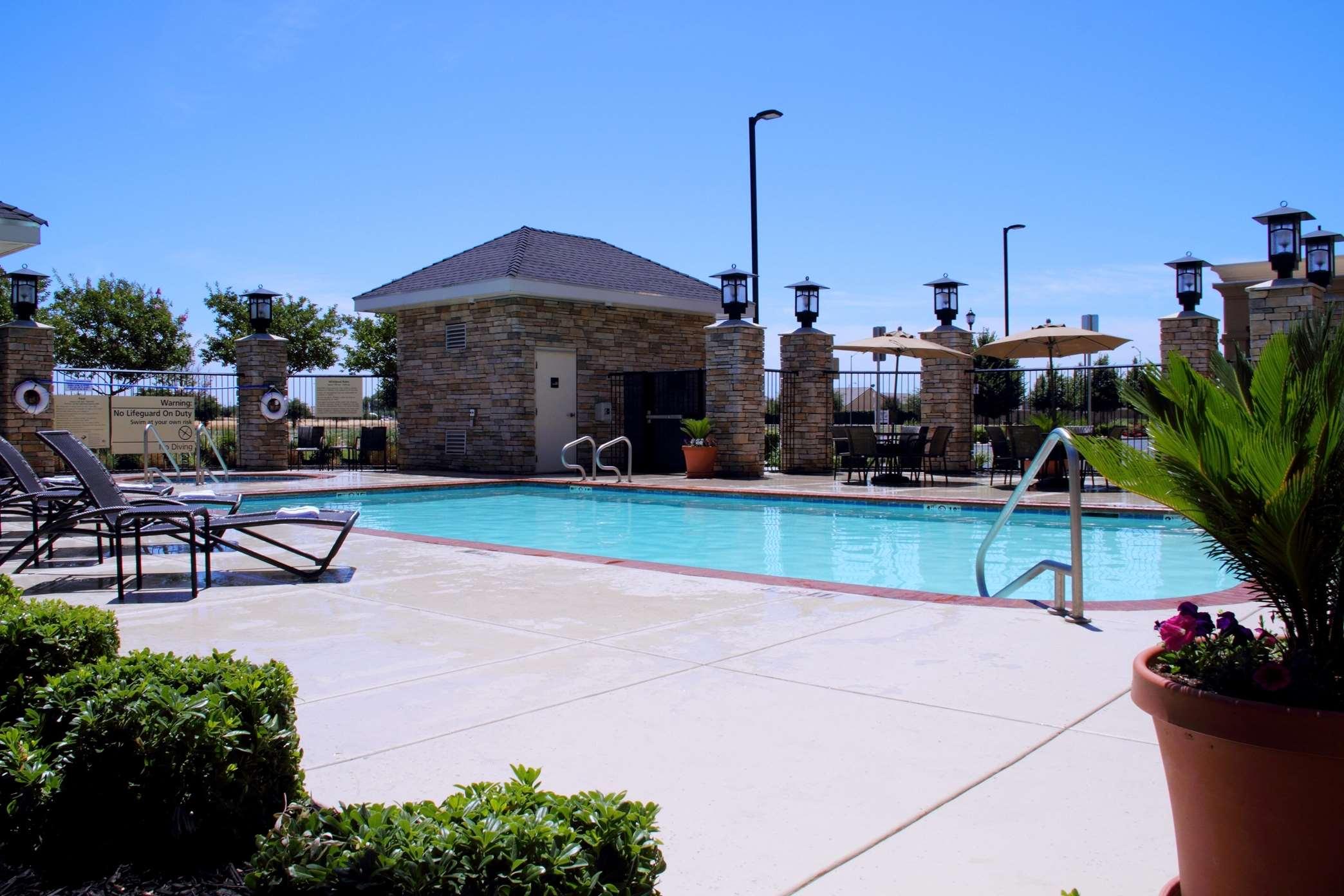 Hampton Inn & Suites Manteca image 13