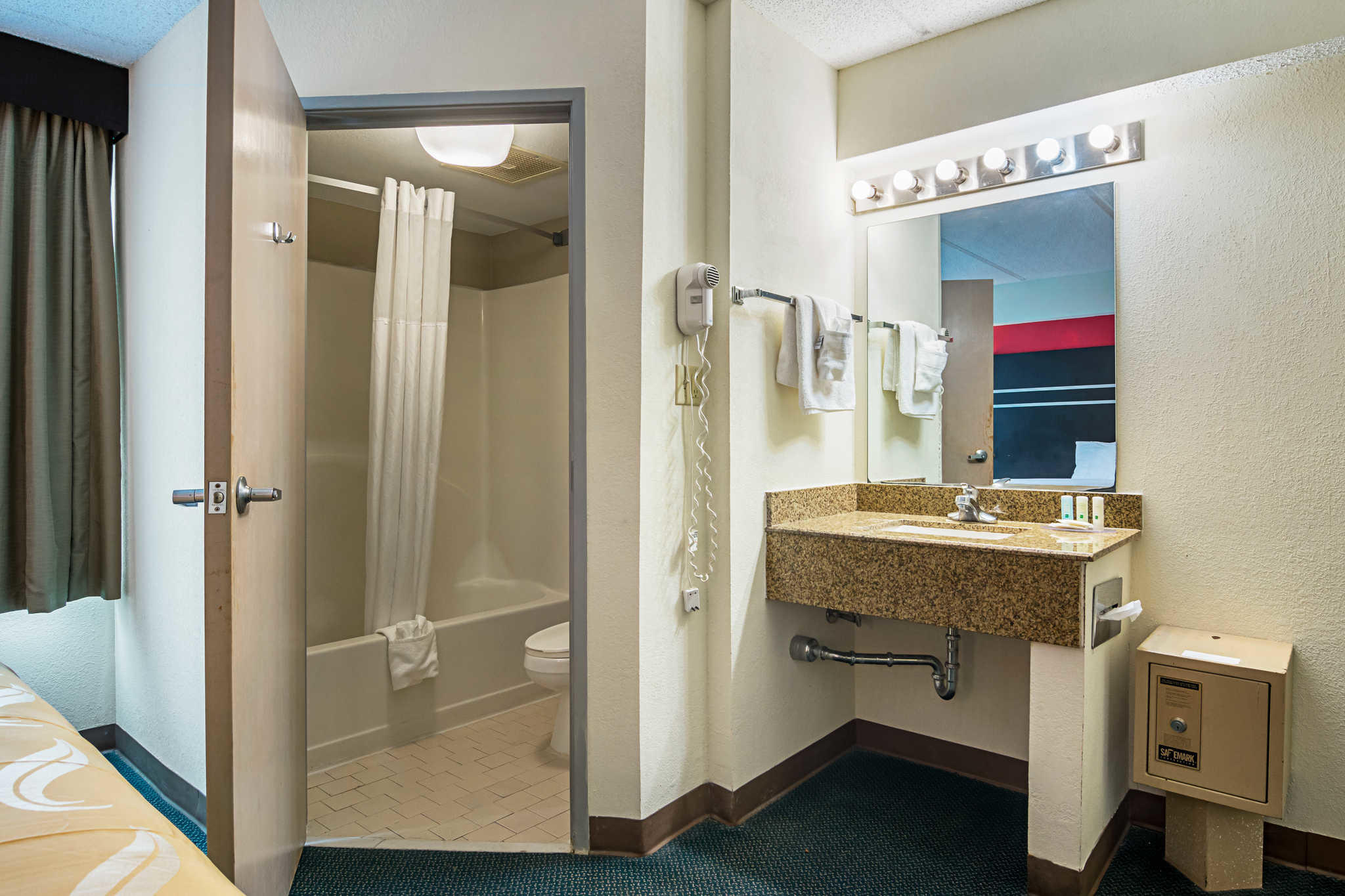 Quality Suites Atlanta Airport East in Forest Park, GA, photo #27