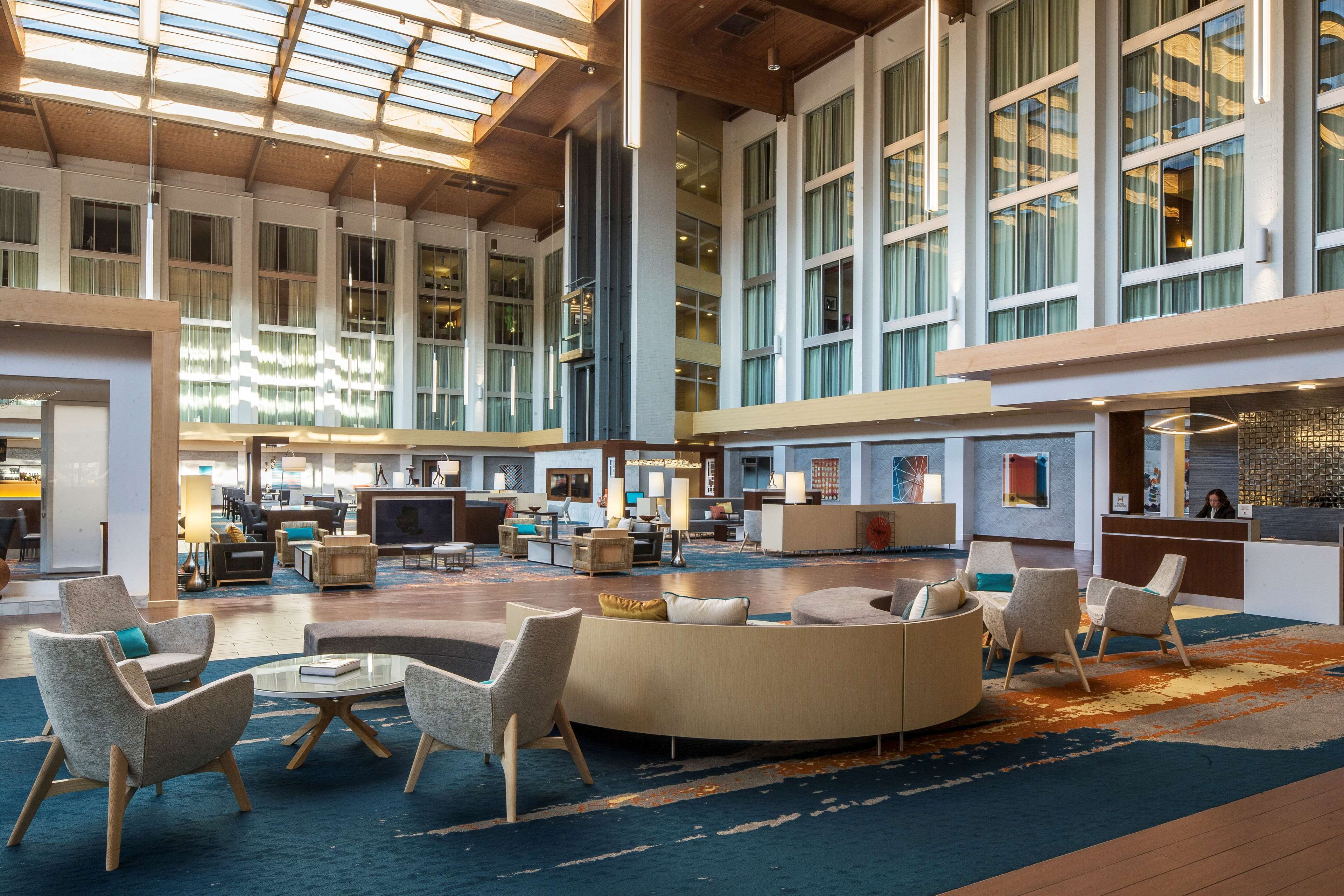 DoubleTree by Hilton Hotel Pittsburgh - Cranberry image 3