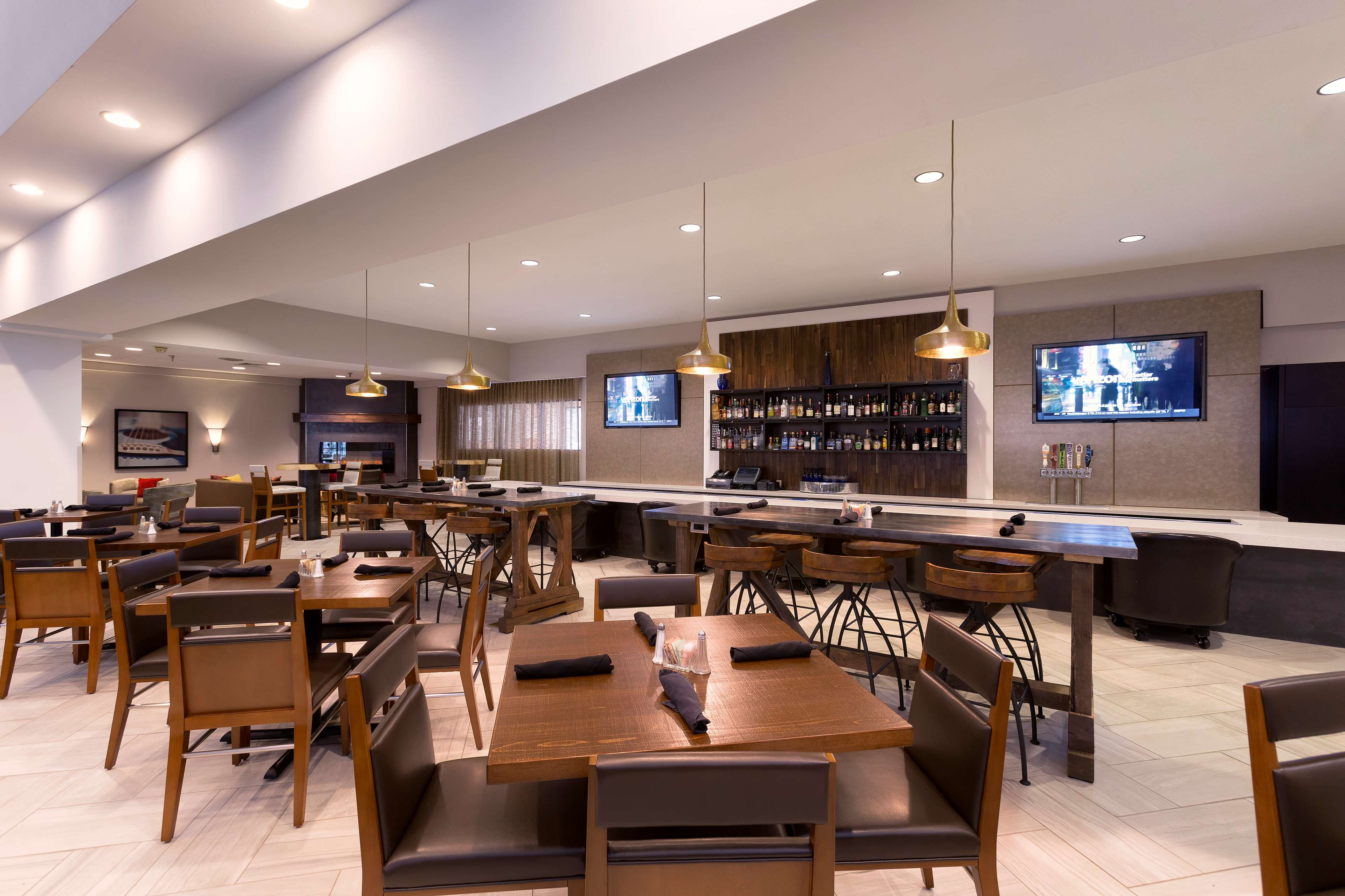 DoubleTree Suites by Hilton Hotel Nashville Airport image 46