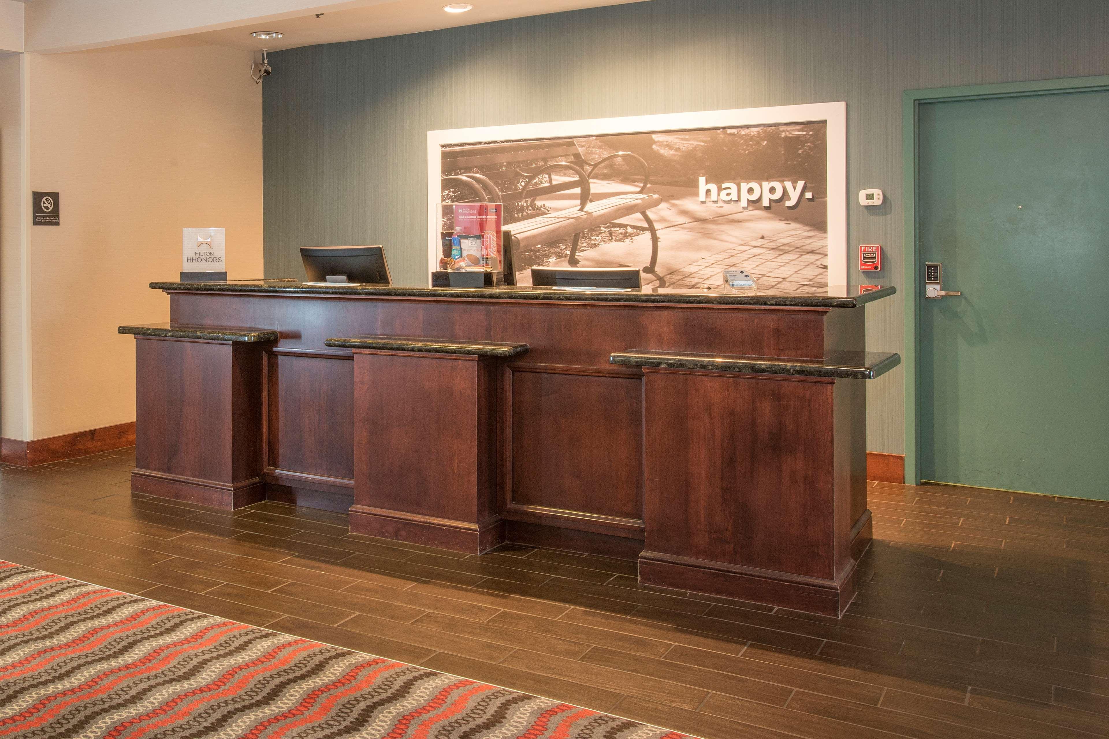 Hampton Inn & Suites Dayton-Airport image 3