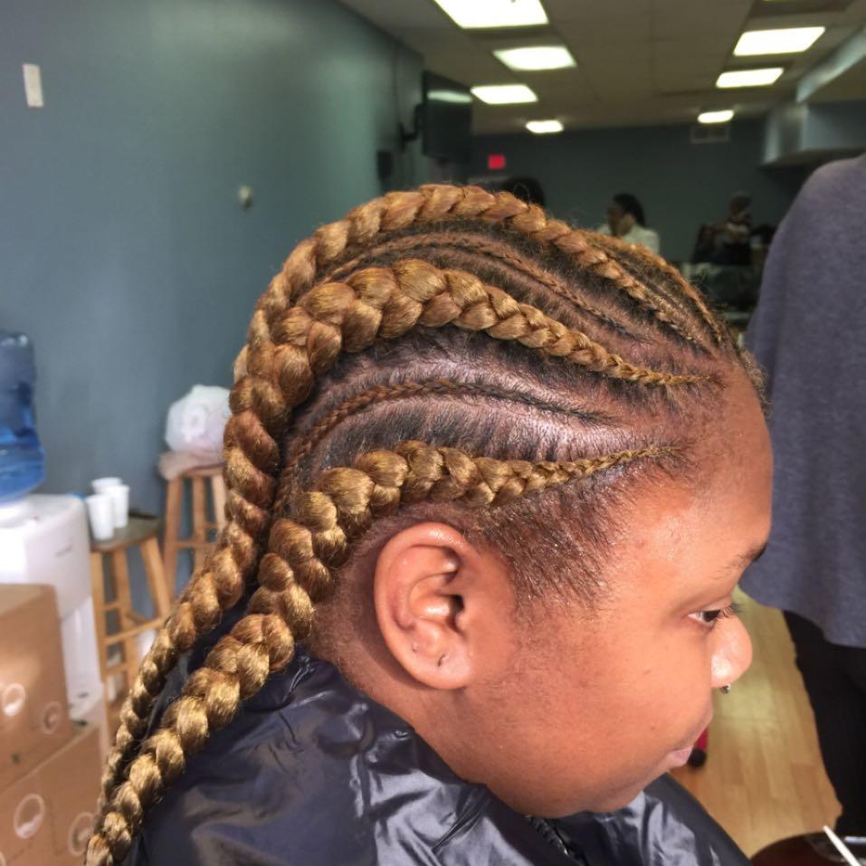 Aisha Hair Braiding image 25